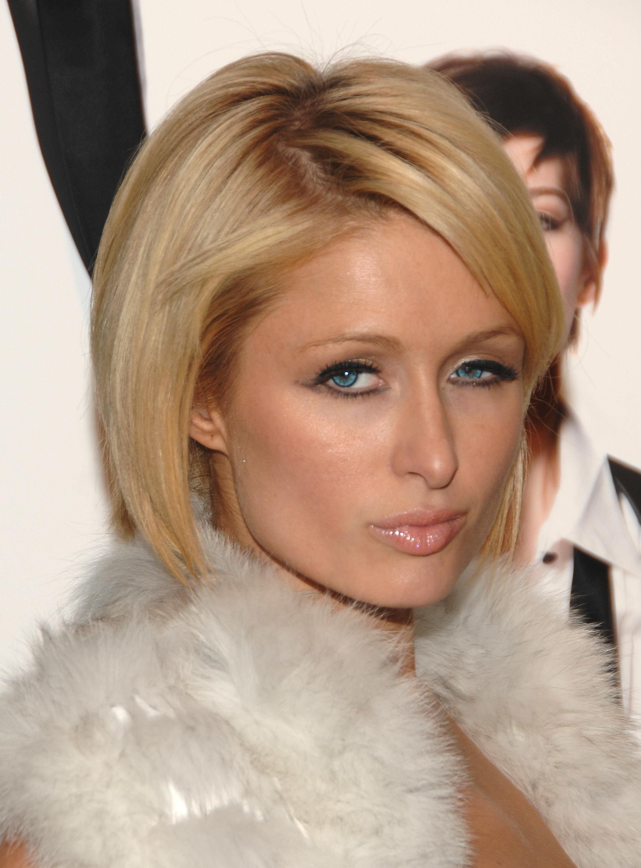 090216023961 Paris Hilton