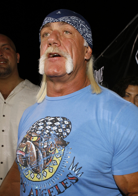 070203032100 Hulk Hogan