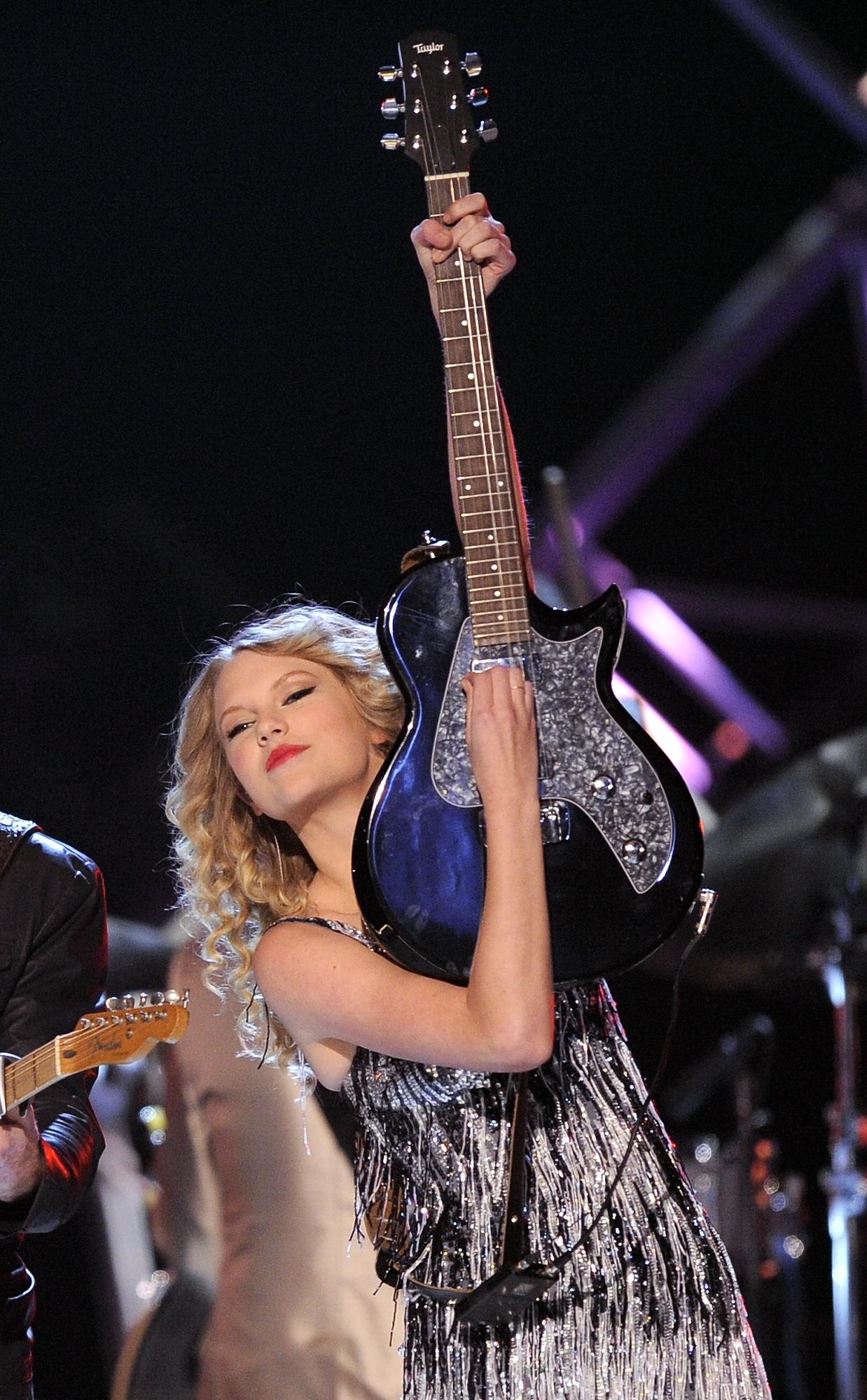 090405048274 Taylor Swift