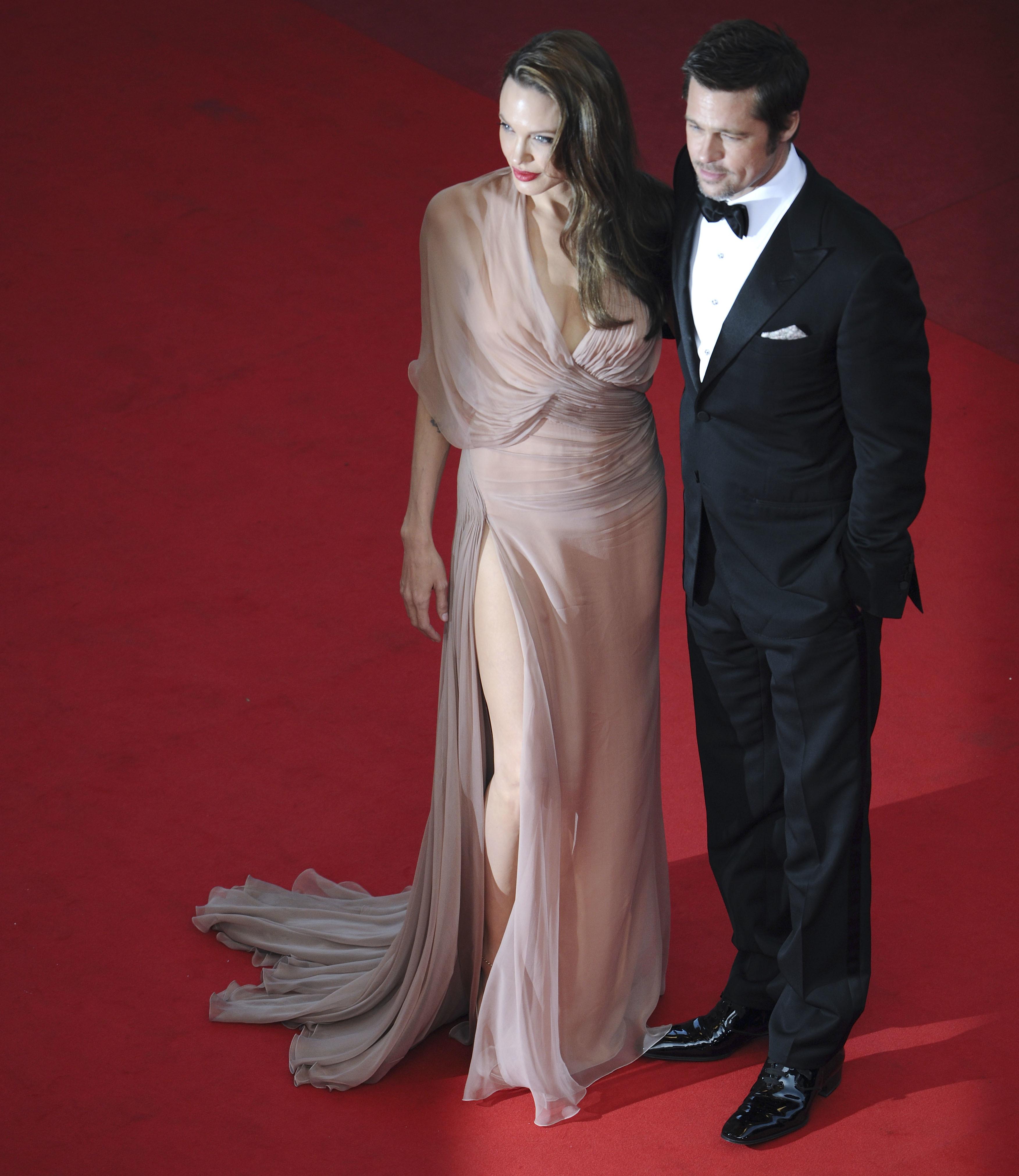 090520018798 Brad Pitt and Angelina Jolie