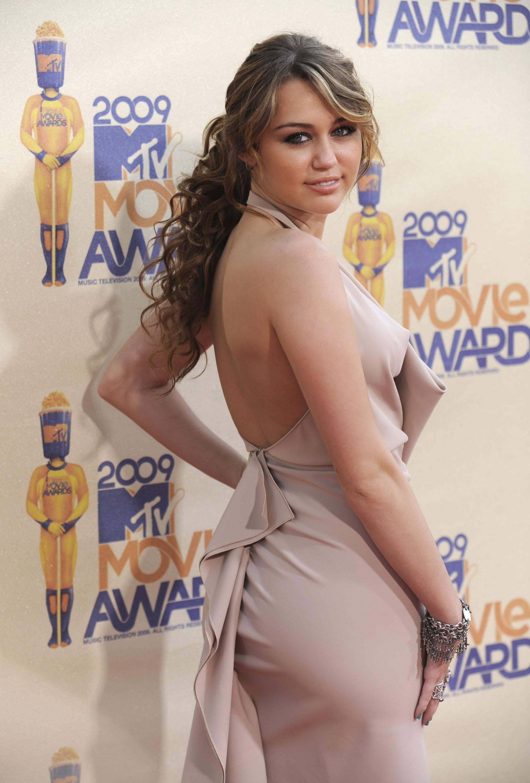 090531023381 Miley Cyrus