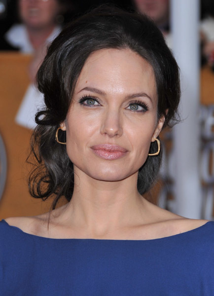 Angelina Jolie 16502082