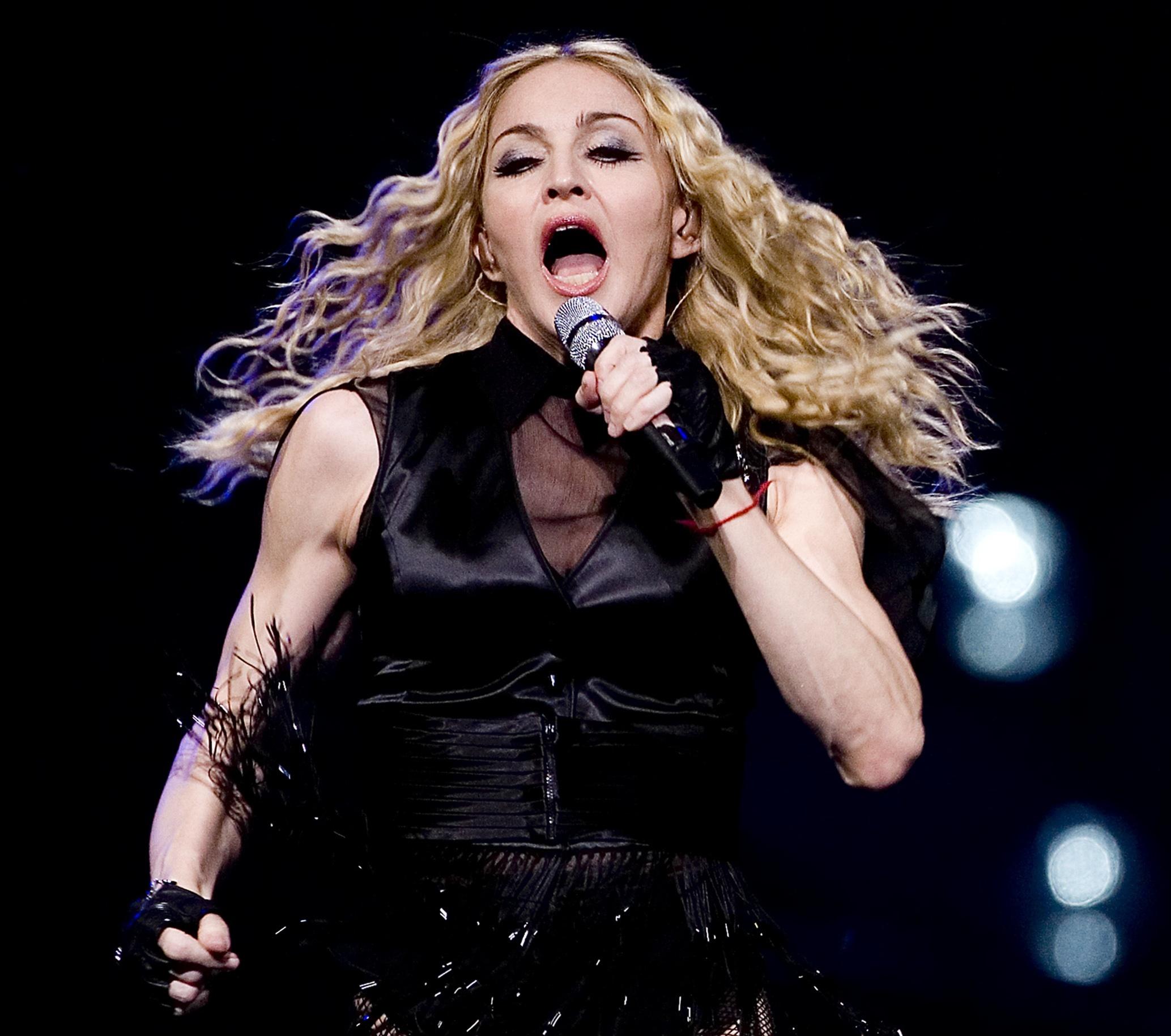 0811200184520 Madonna