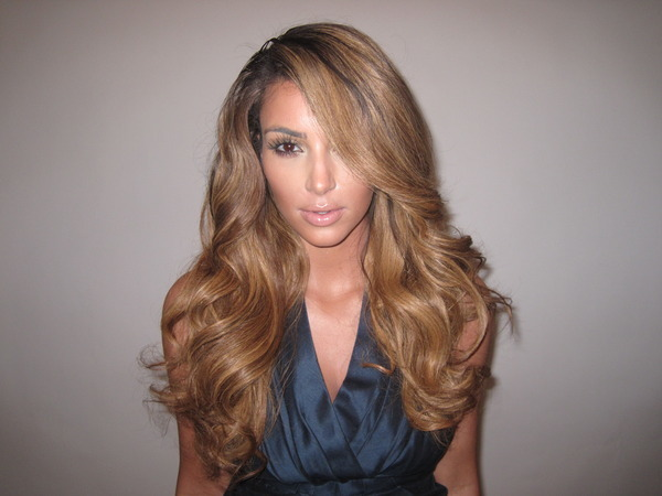Twitter Kim Kardashian Blond Photo 2