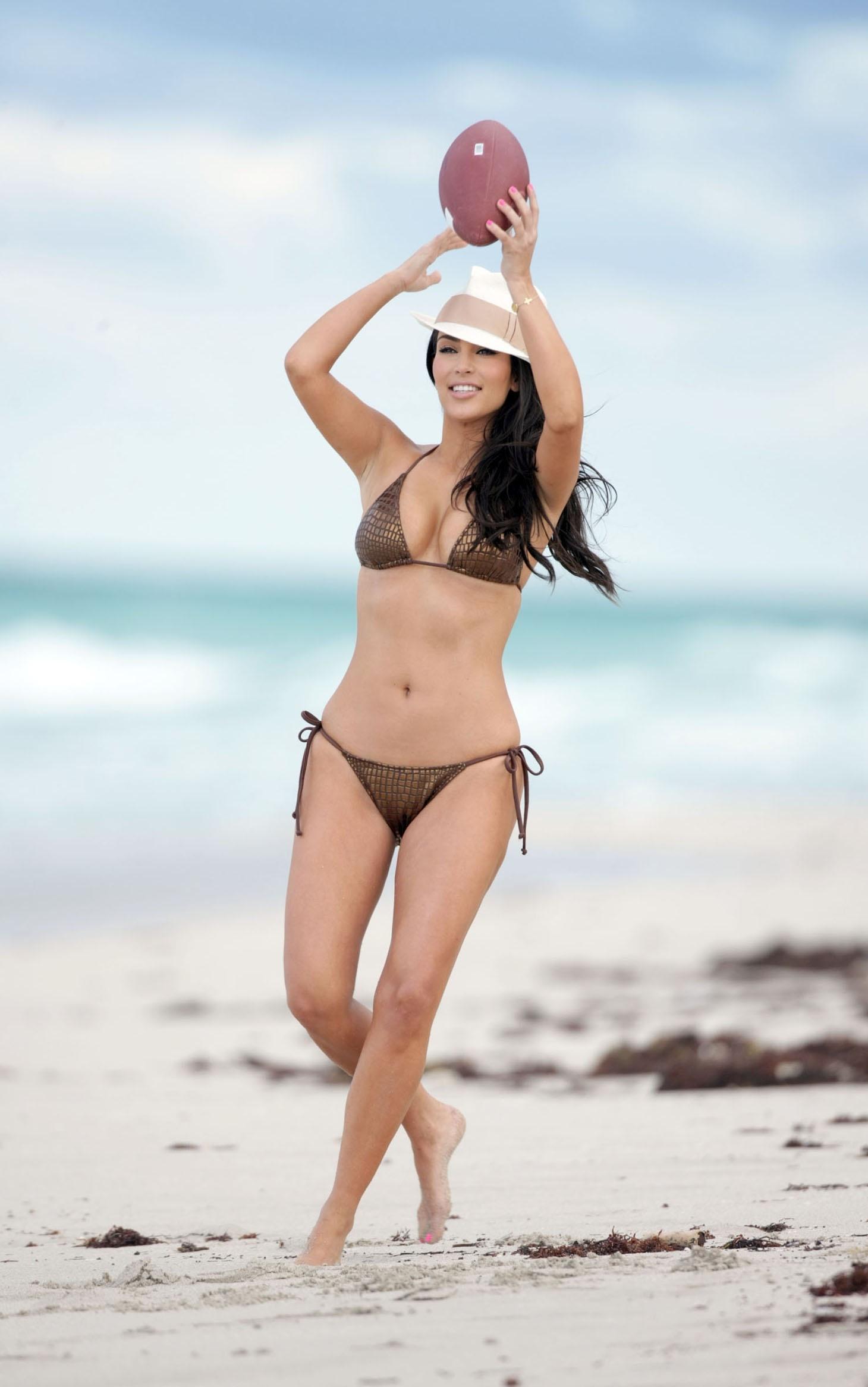Sexy Celeb Nude Review Photos