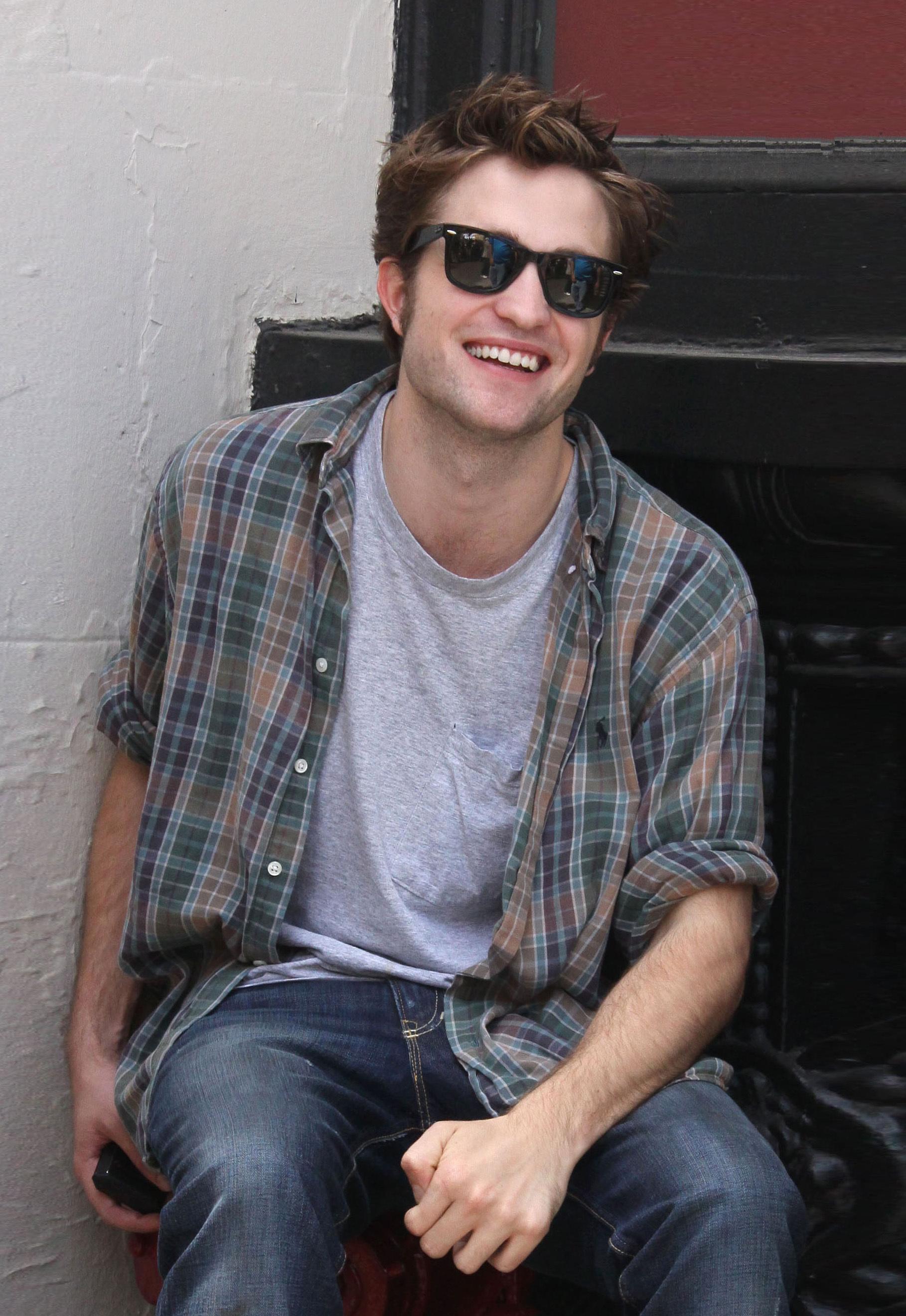 FP_3157269_Pattinson_Robert_NYC_061509