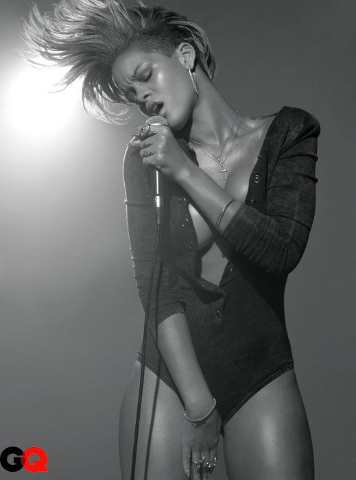 GQ_Rihanna_1