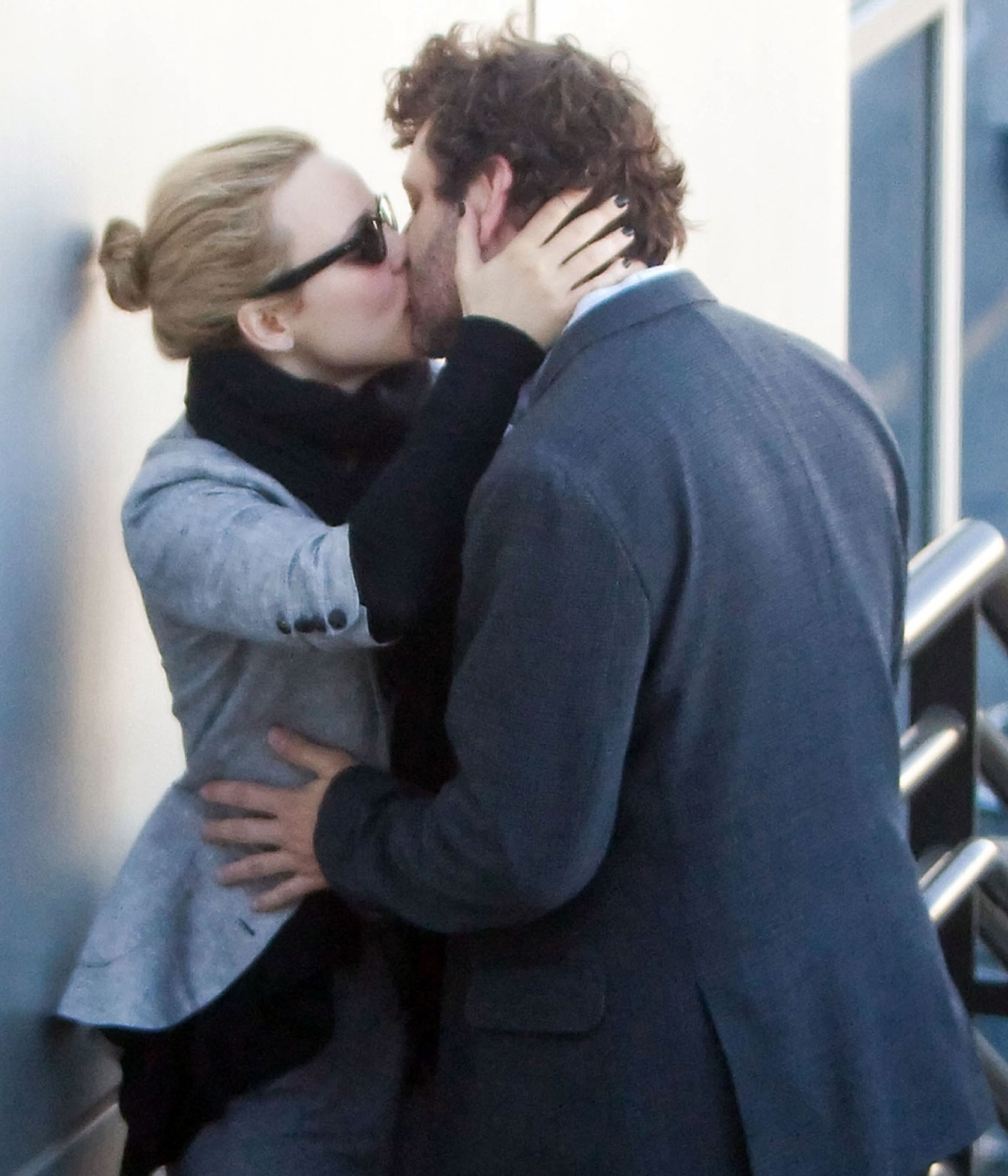 Stars French Kissing | Gallery | Wonderwall.com
