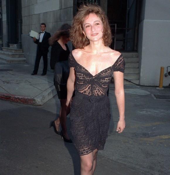Jennifer Grey, Engaged to Johnny, 1988 1989