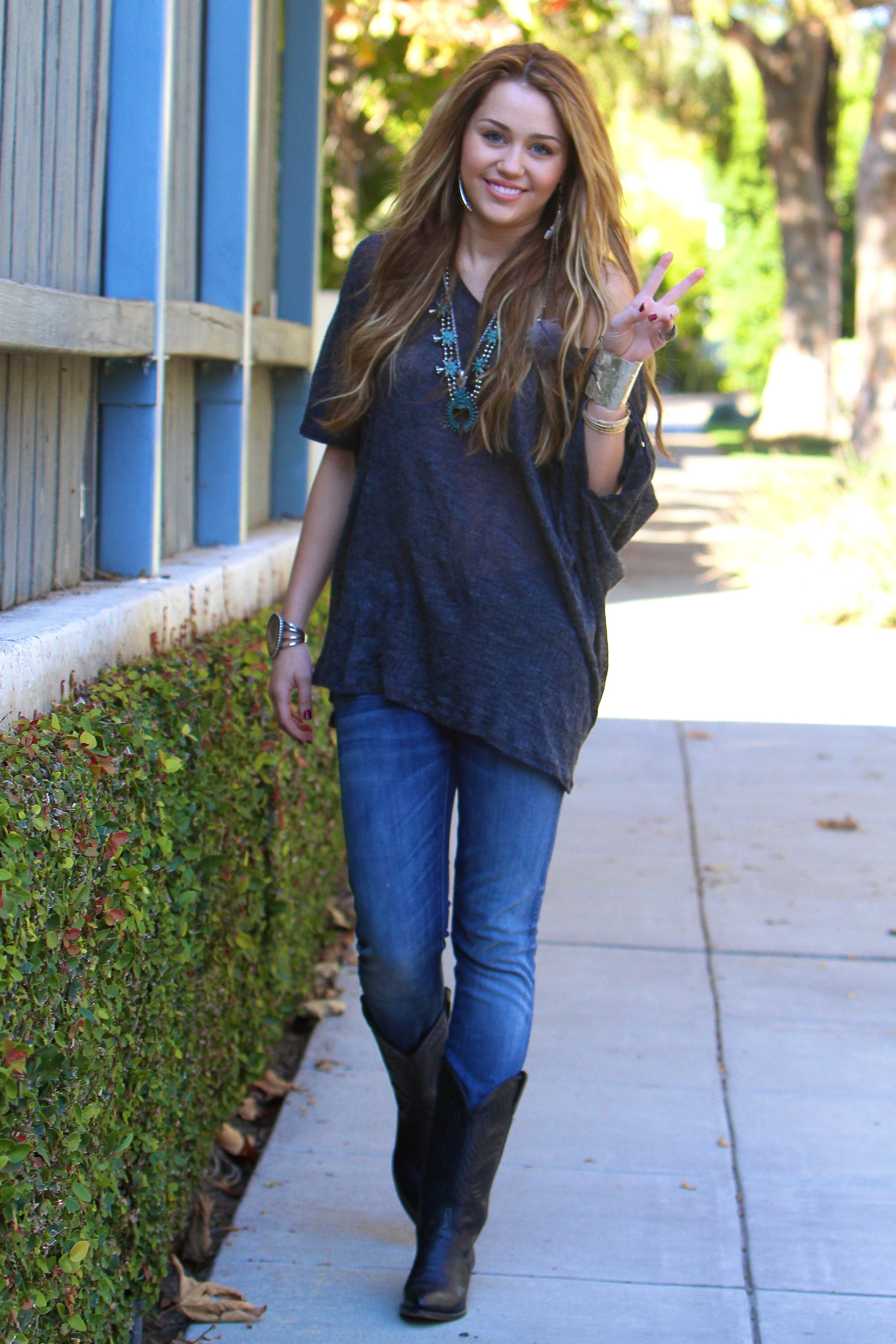 Miley Cyrus casual outing