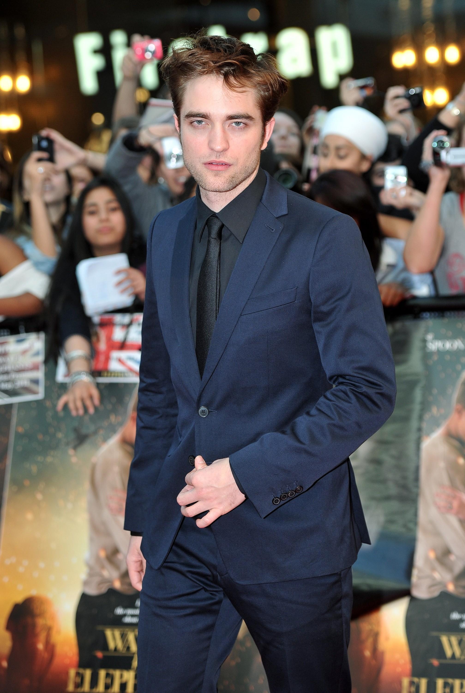 robert pattinson suit