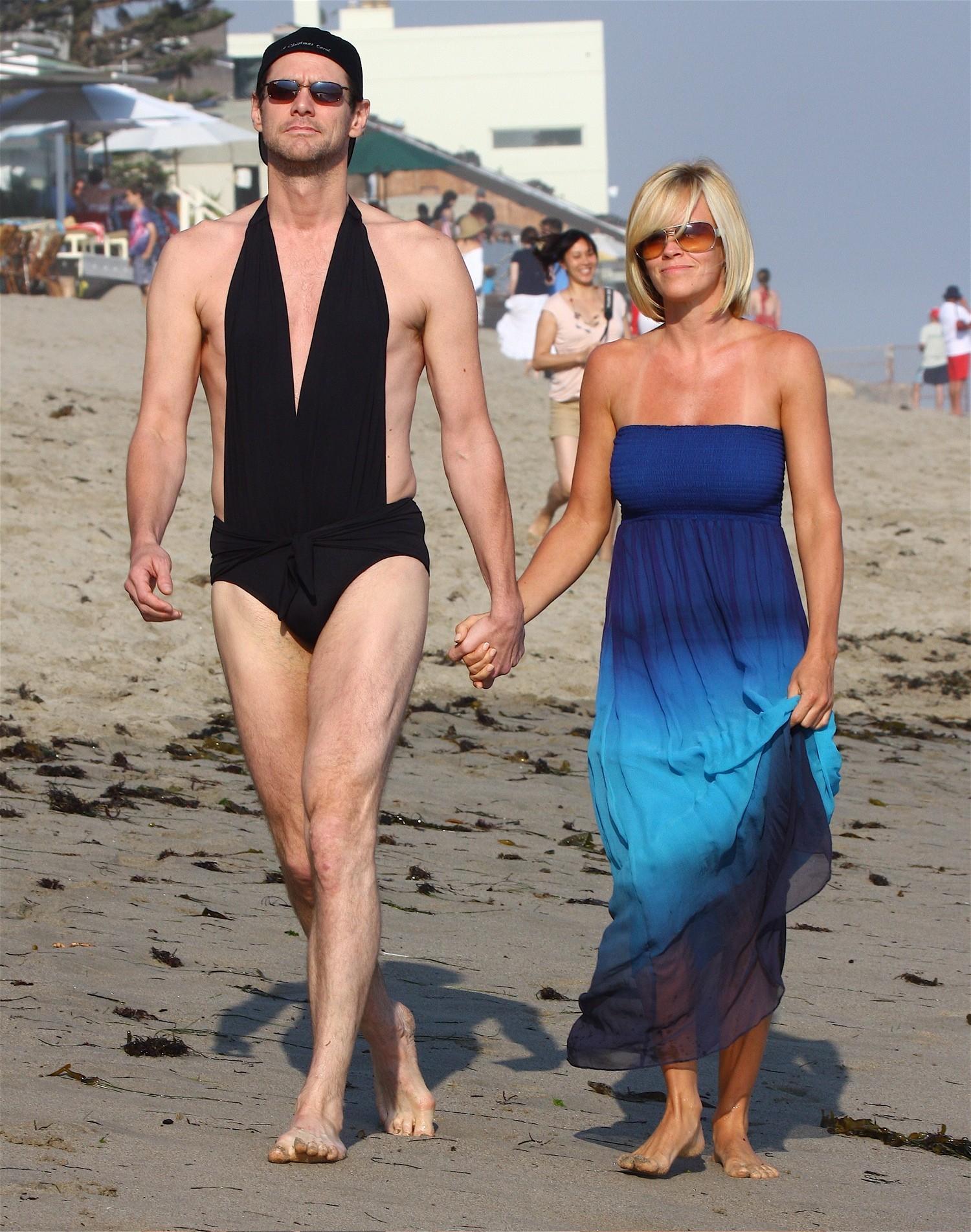 Jim Carrey black swimsuit jenny mccarthy beach