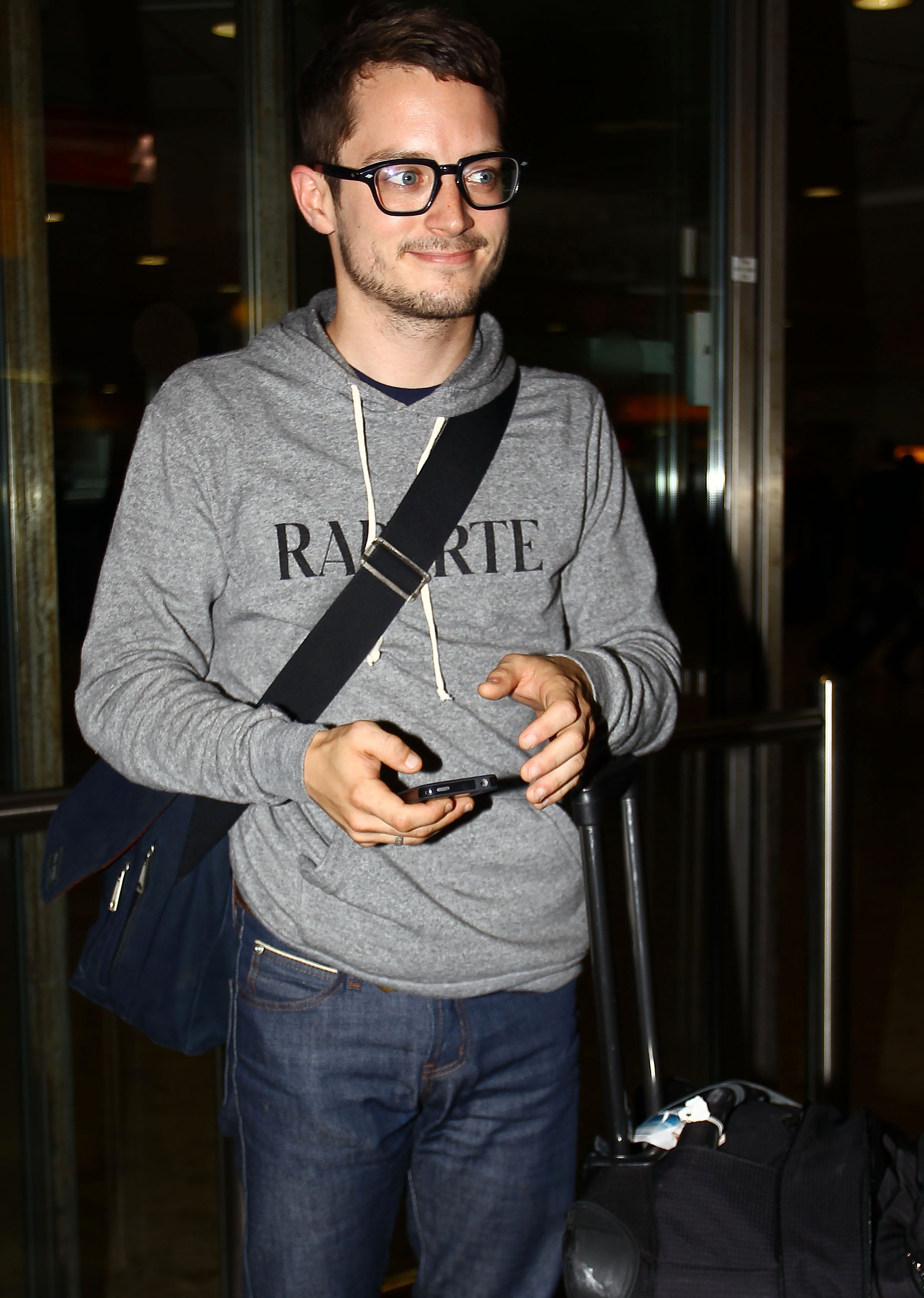 heathrow_celebs_24_wenn3435035
