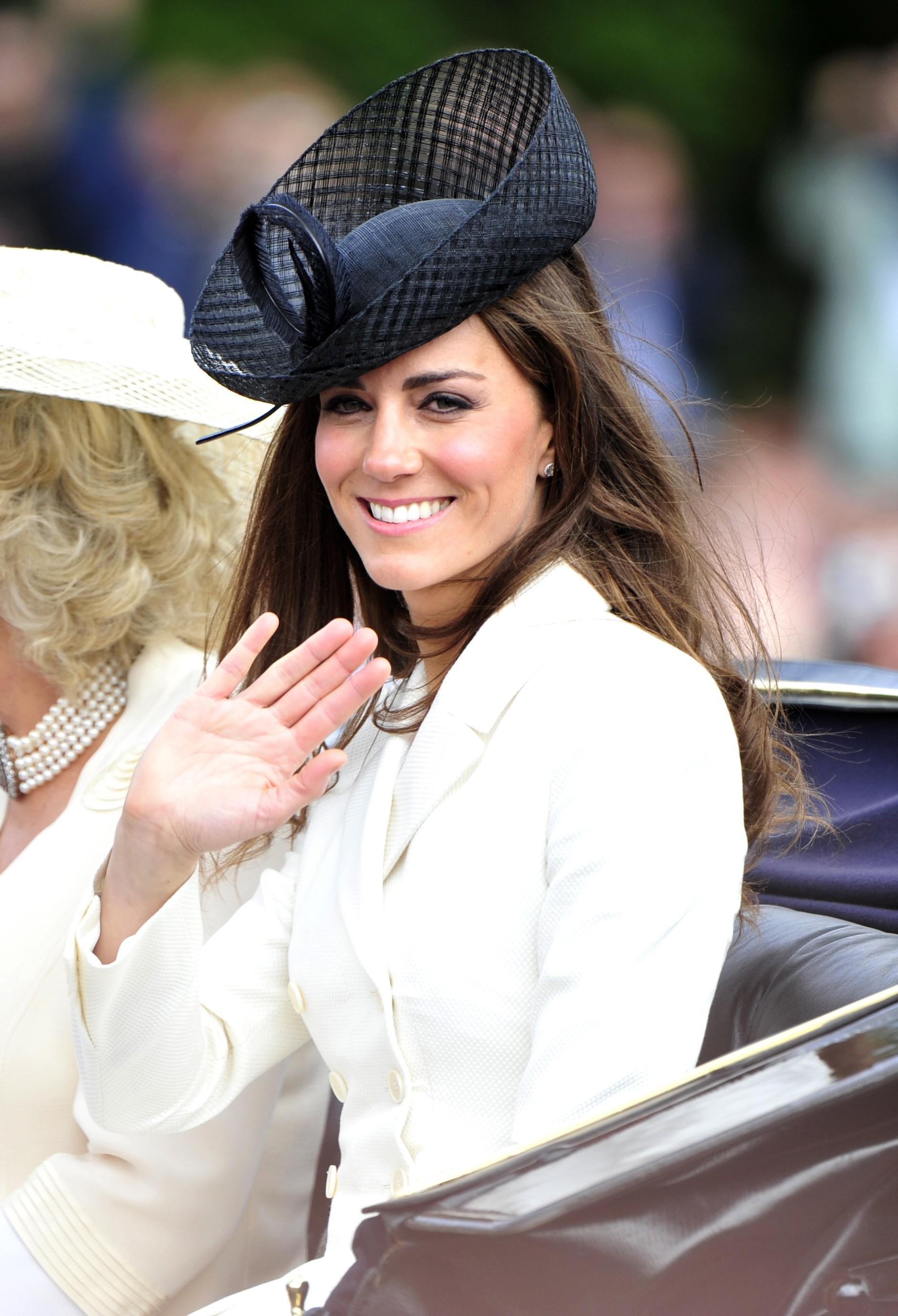 Duchess Kate black fascinator