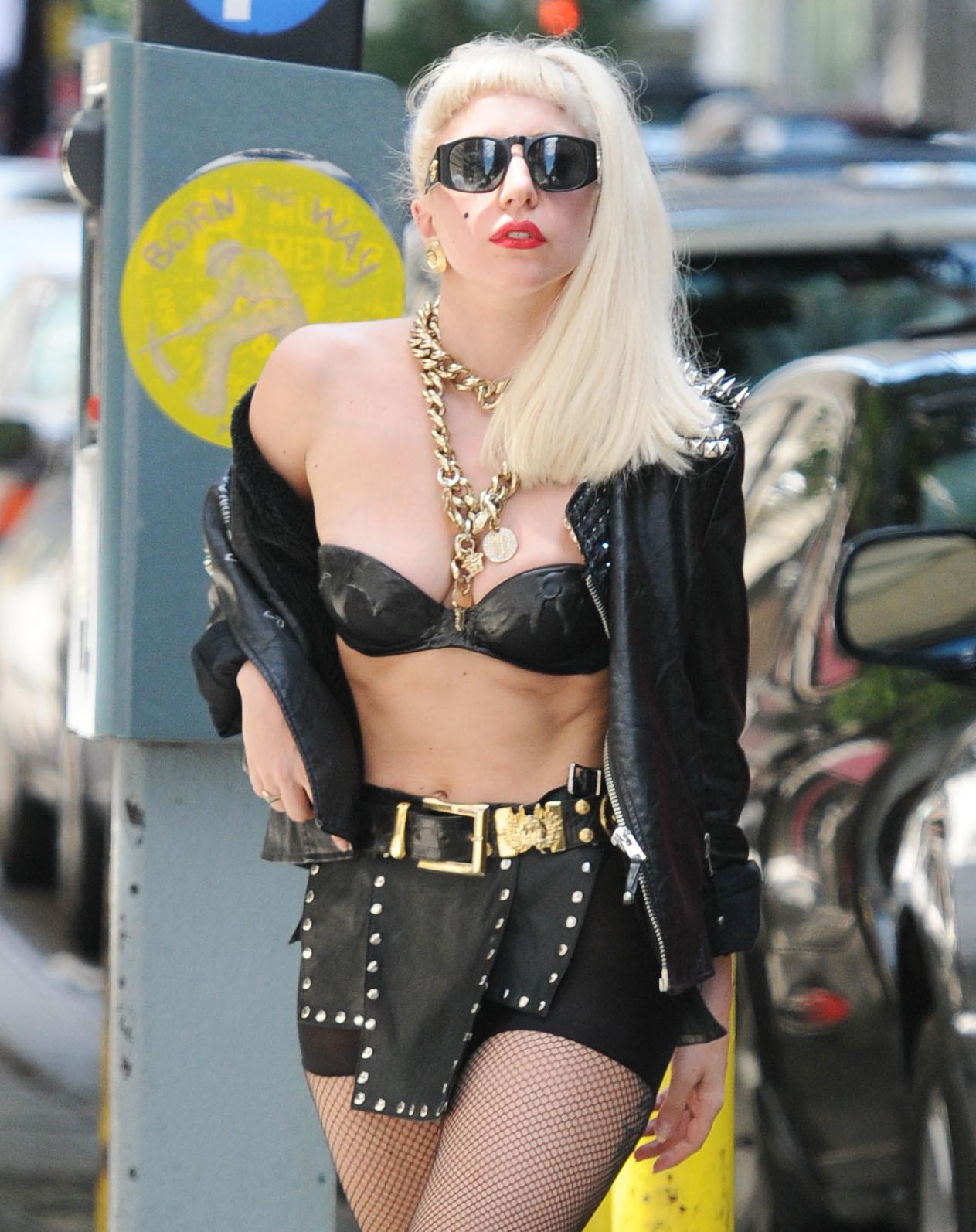 Lady Gaga Surfing