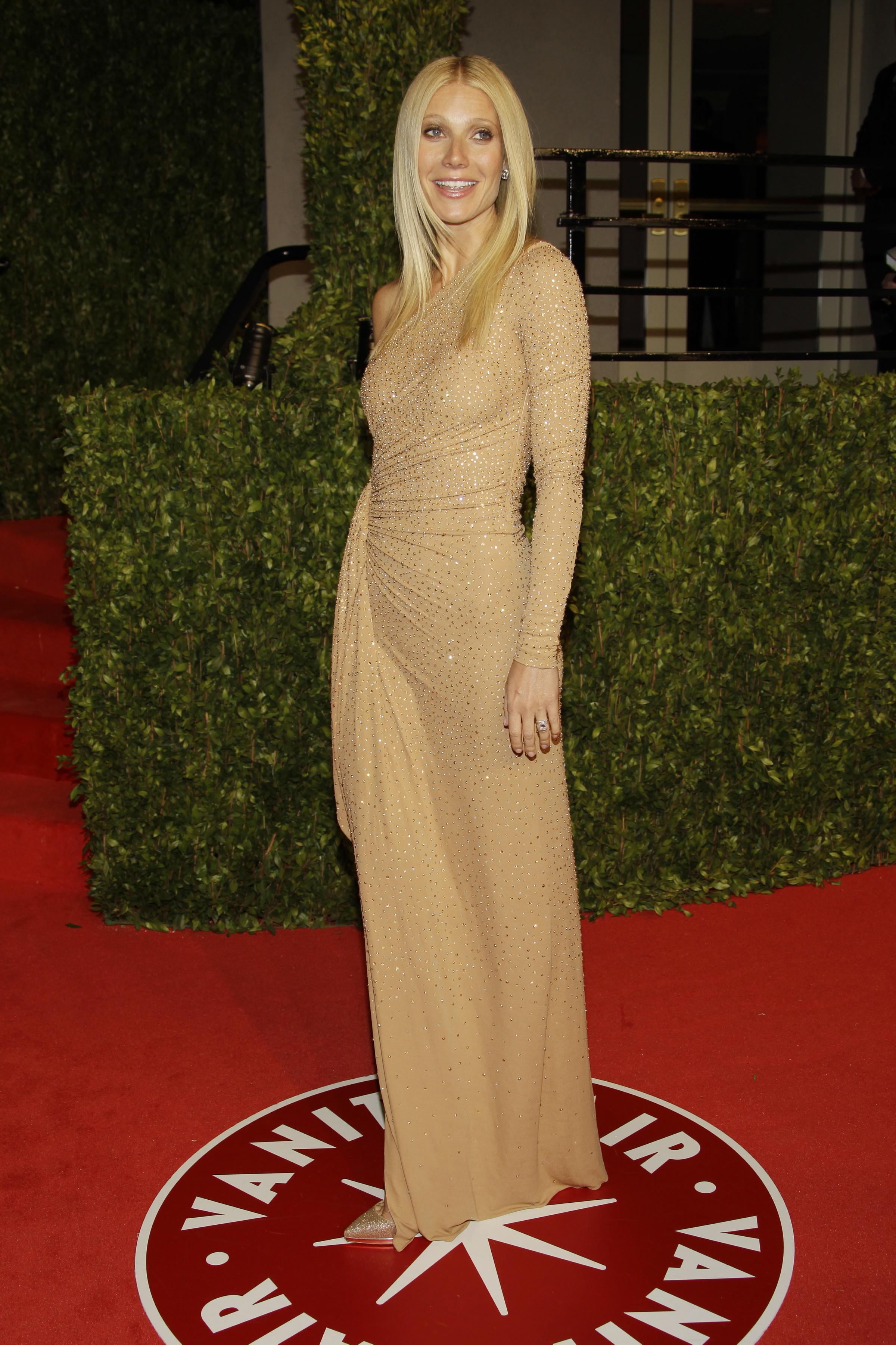 Gwyneth Paltrow vanity fair party dress