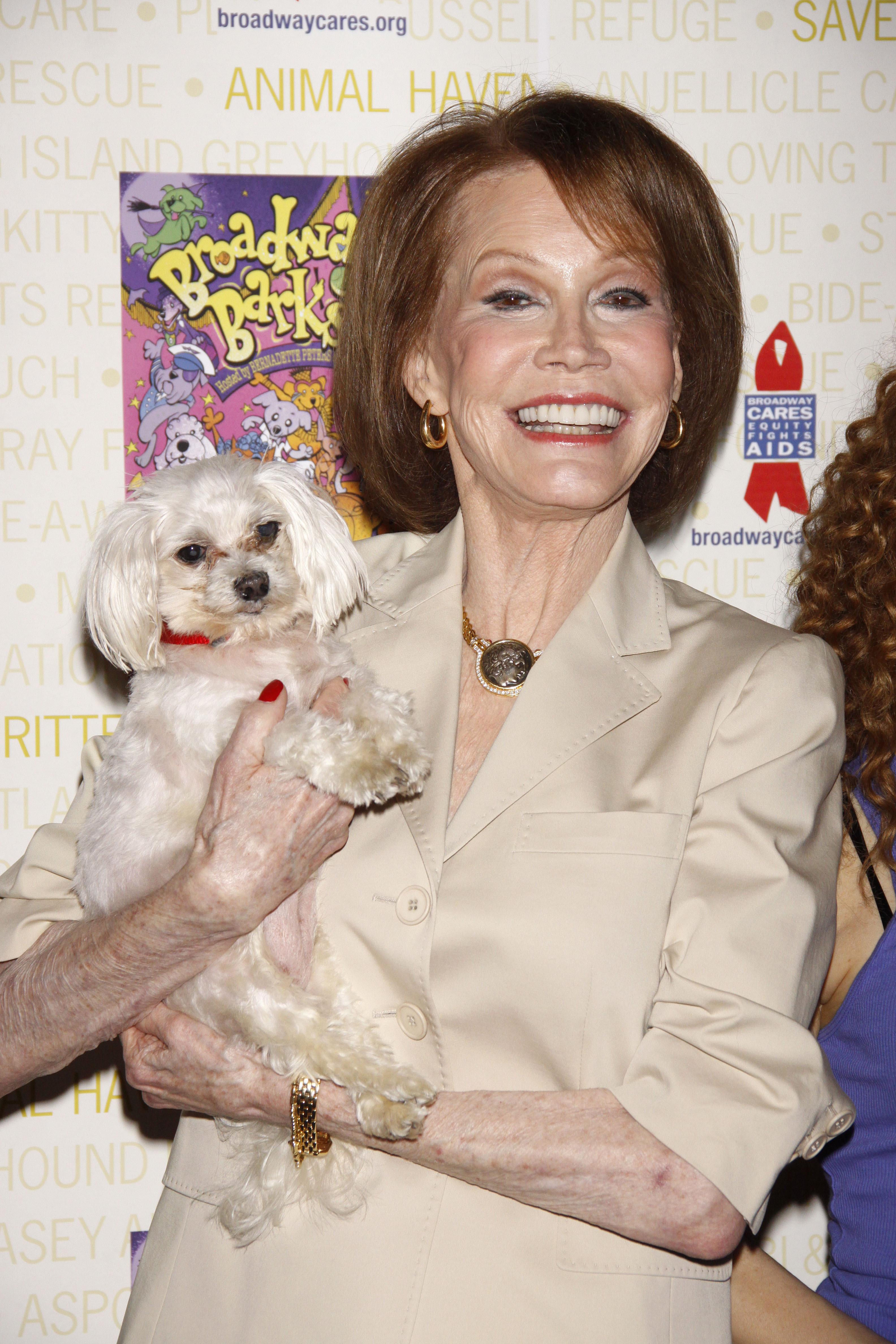 Mary Tyler Moore Broadway Barks