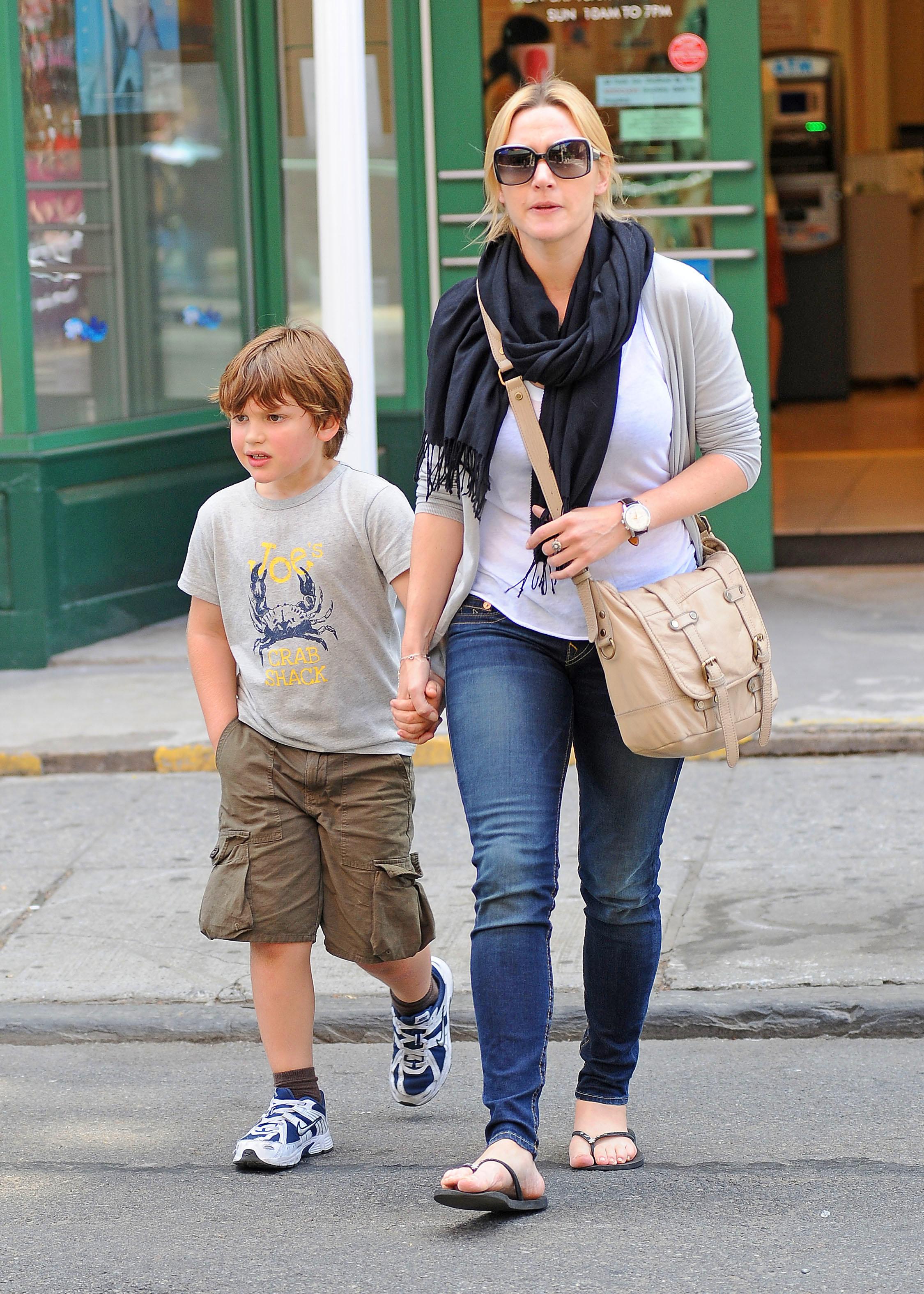 Gwyneth Paltrow Moses Kate Winslet Joe sons