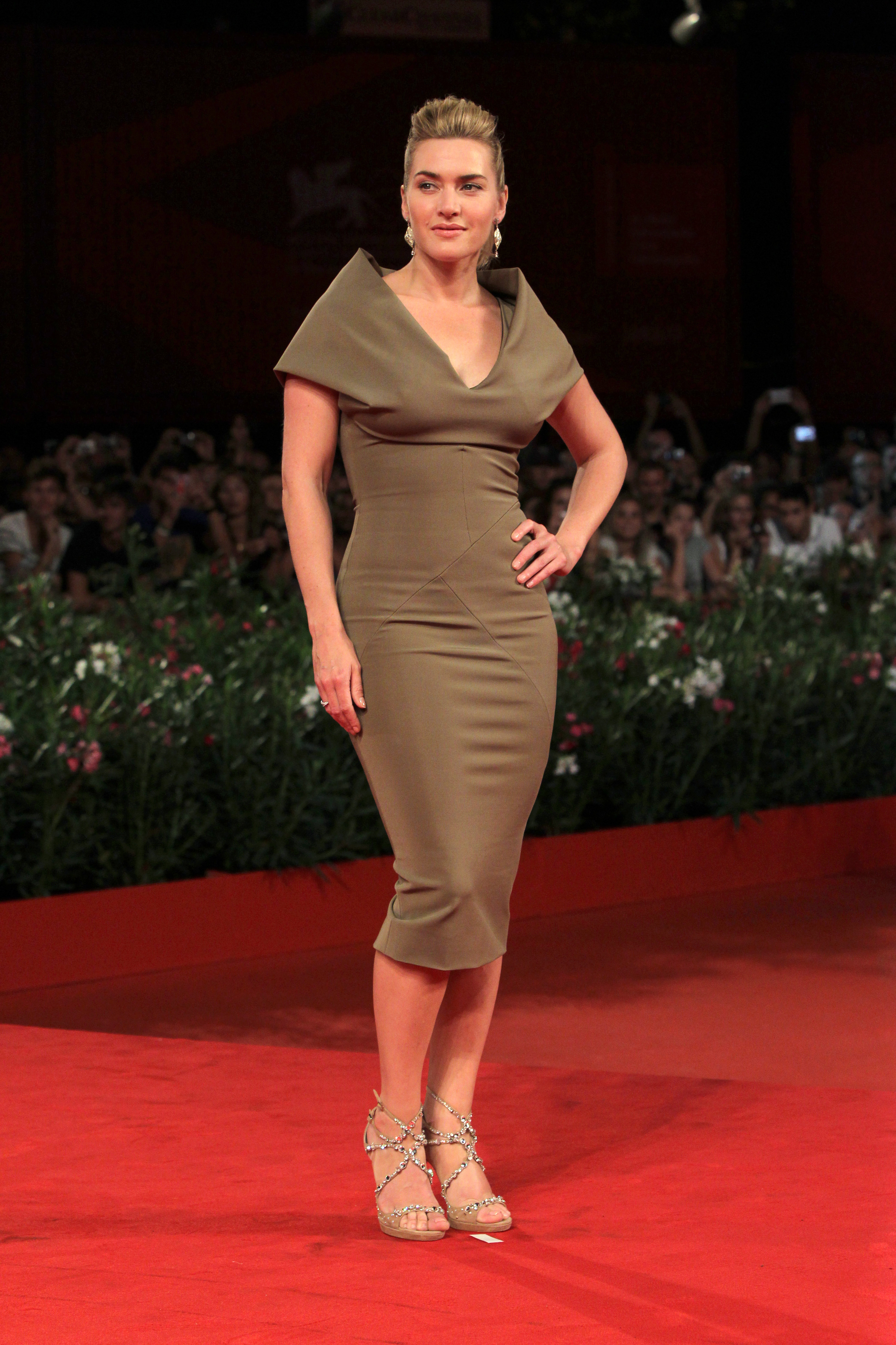 Kate Winslet victoria beckham collection