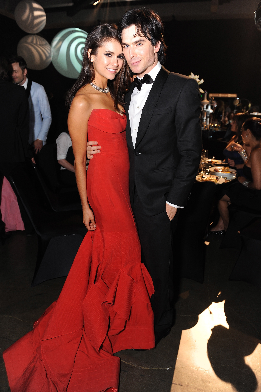 Nina Dobrev ja Ian Somerhalder dating 2011