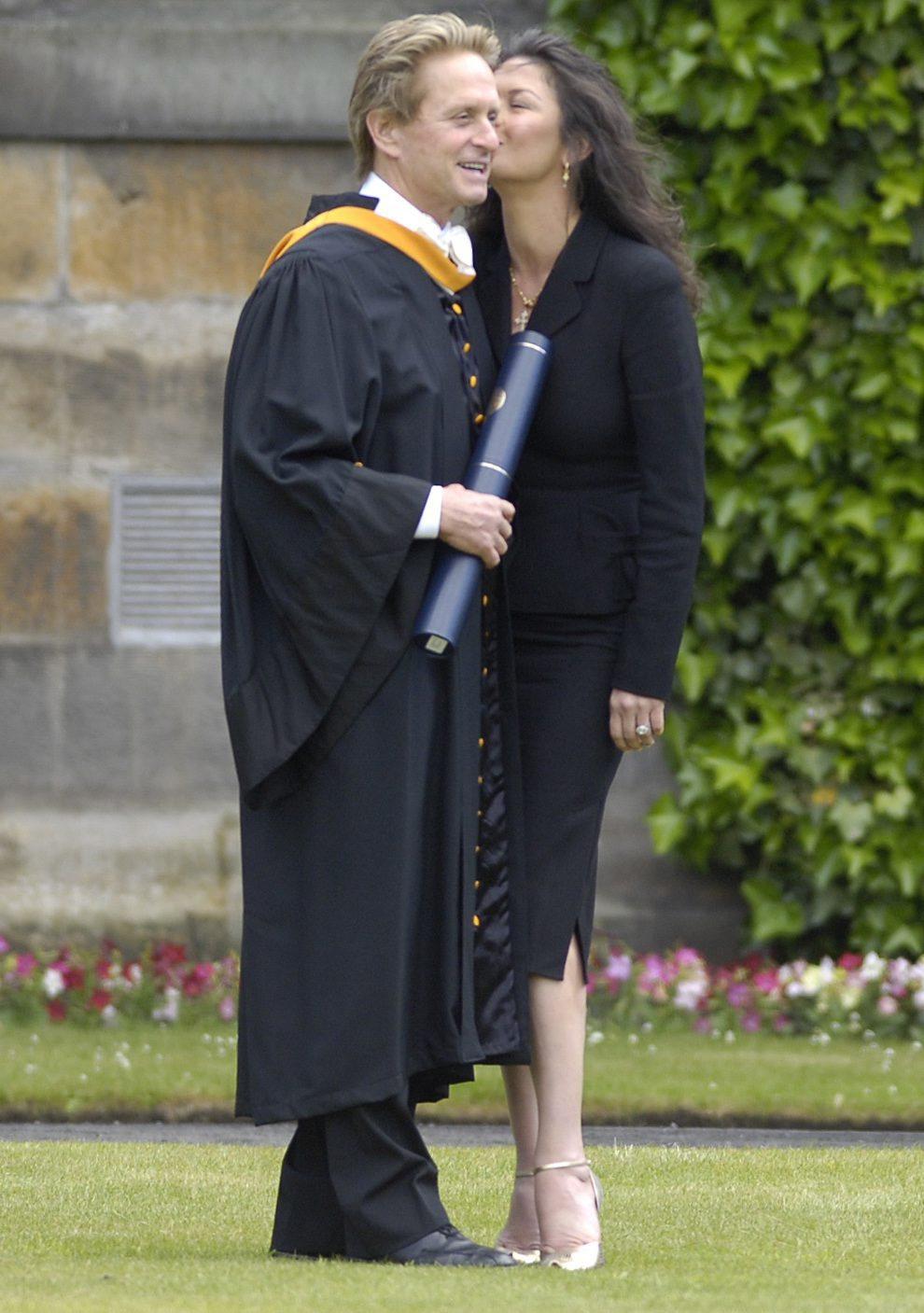 Catherine Zeta Jones kisses Michael Douglas