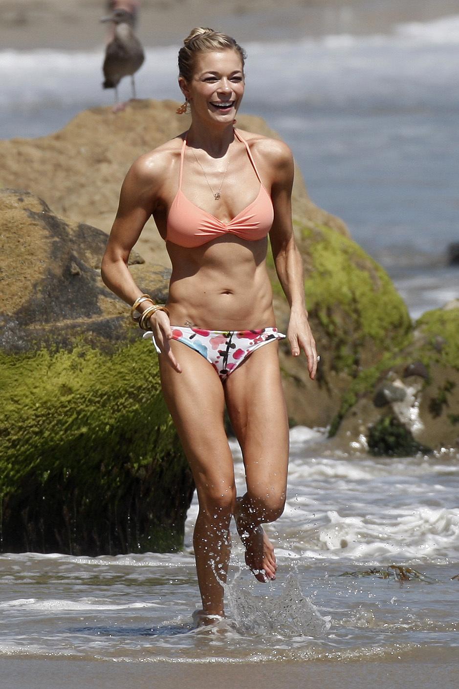 leann rimes bikini