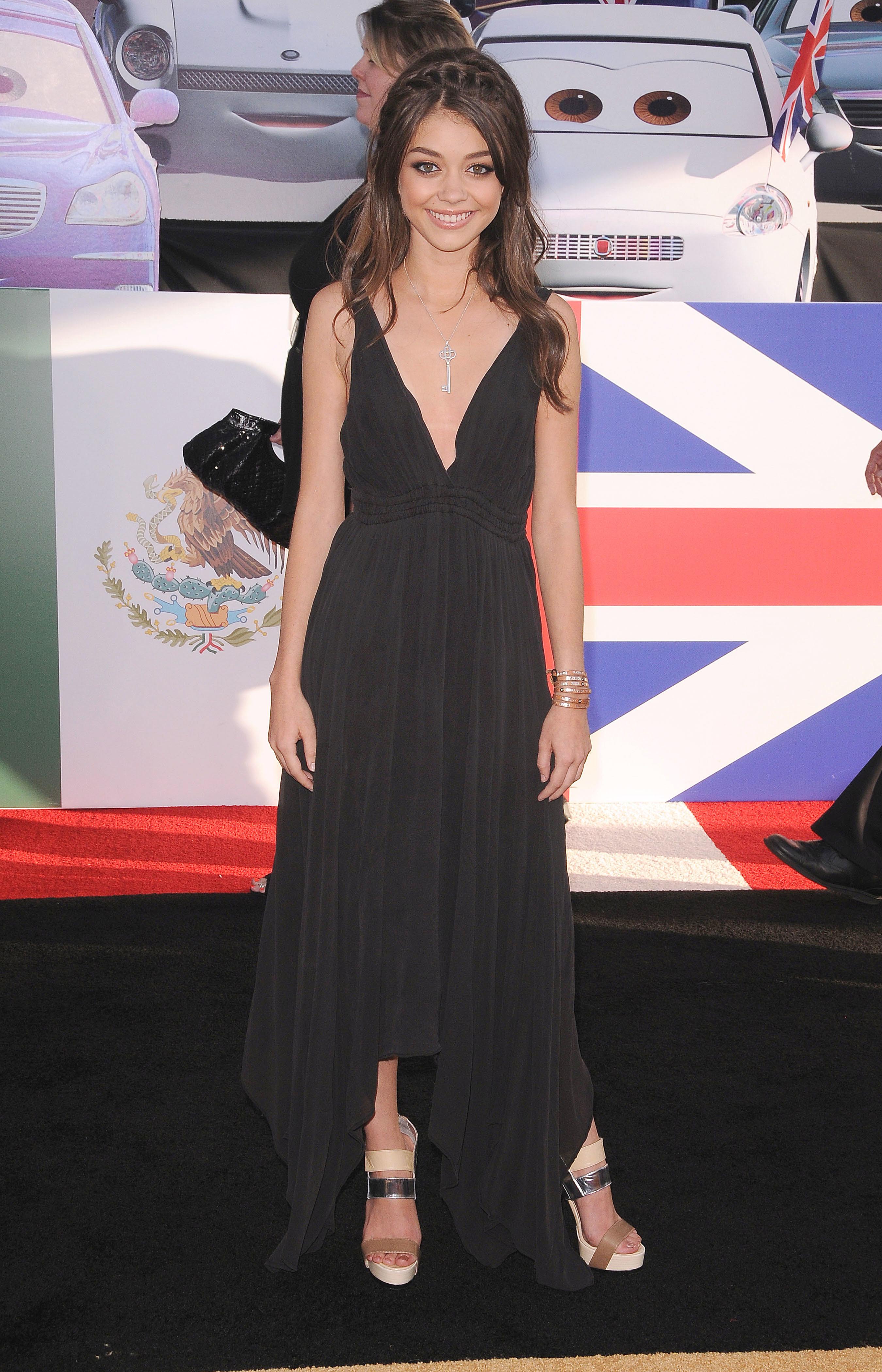 Sarah Hyland Lea Michele plunging neckline