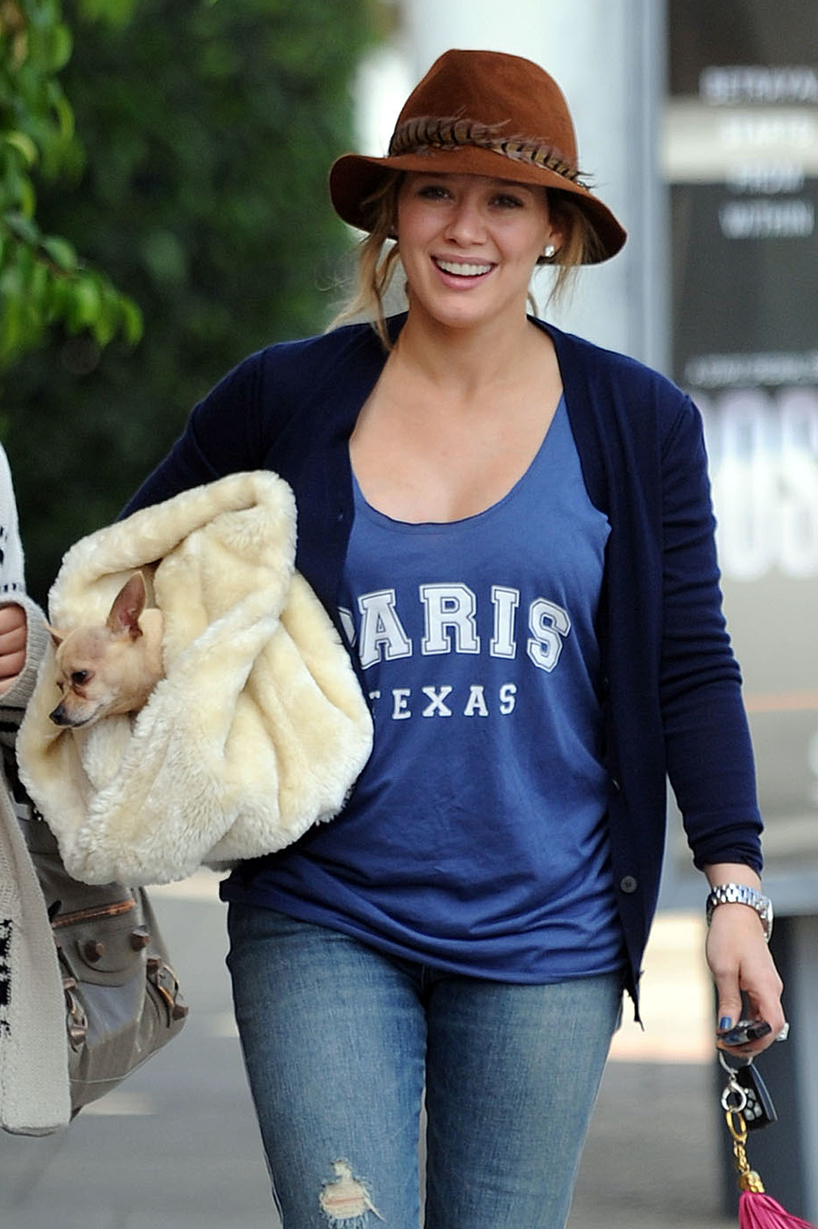 hilary duff dog