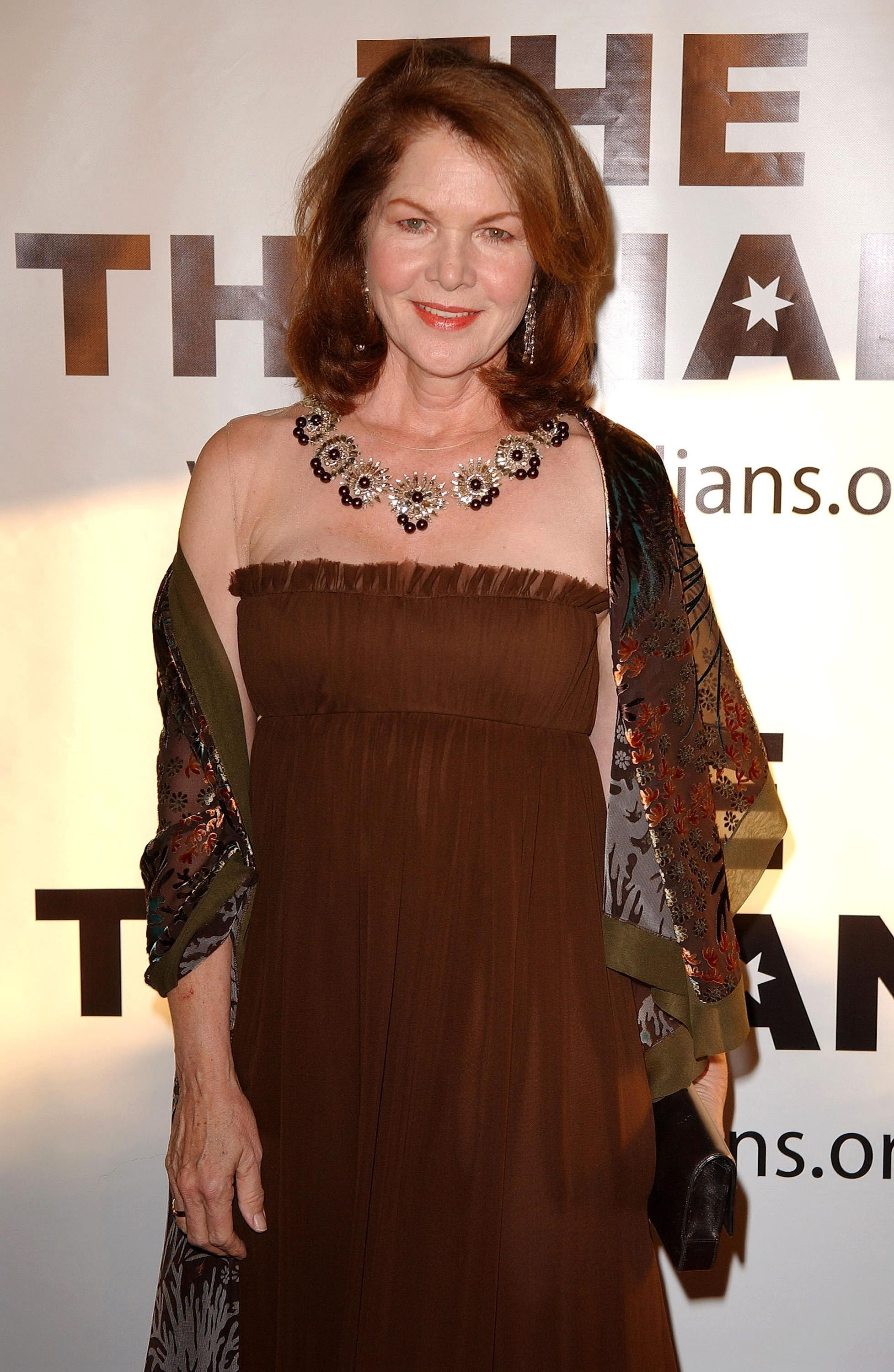 lois chiles cancer