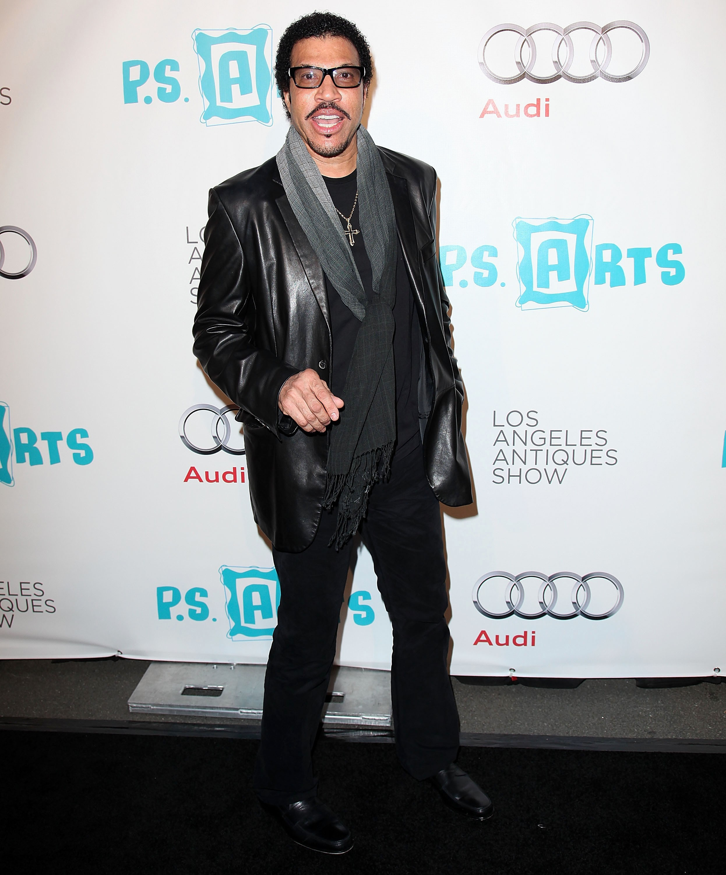 lionel richie buys a home