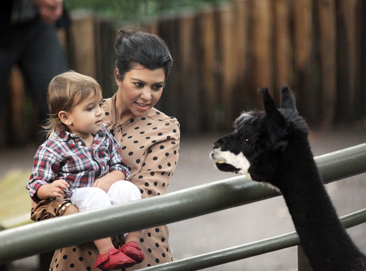 kourtney kardashian zoo mason baby