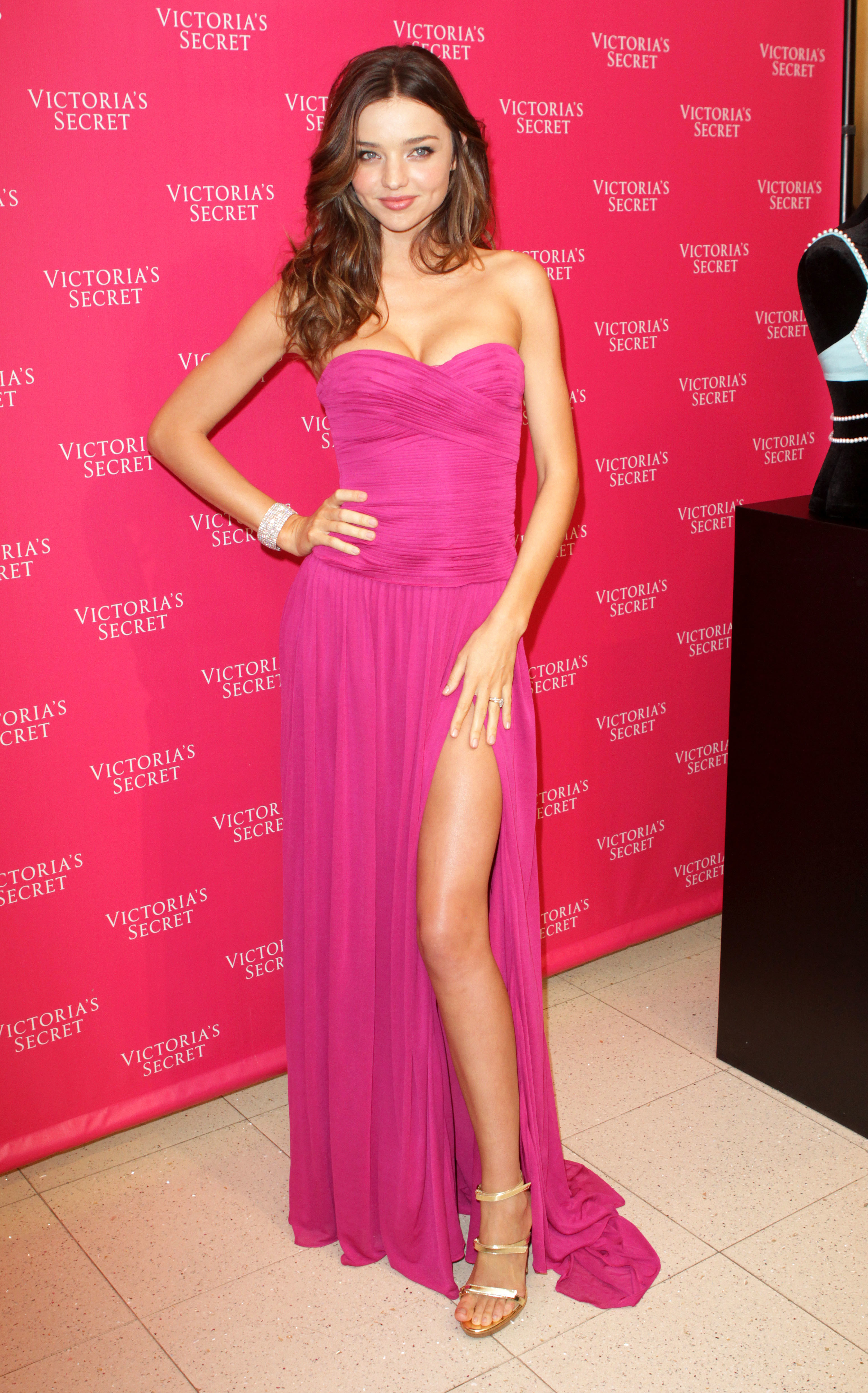 miranda kerr pink dress