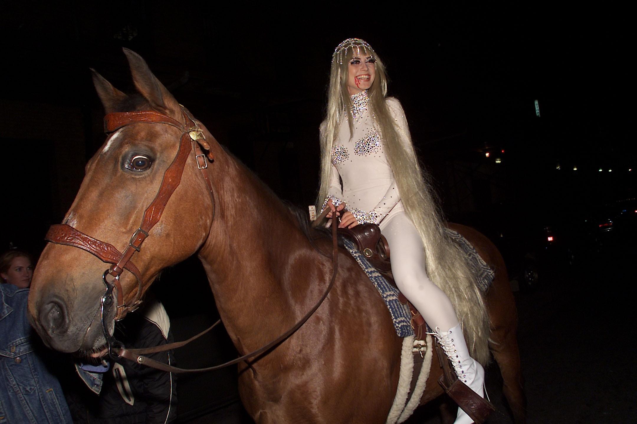 heidi klum 2001 lady godiva halloween