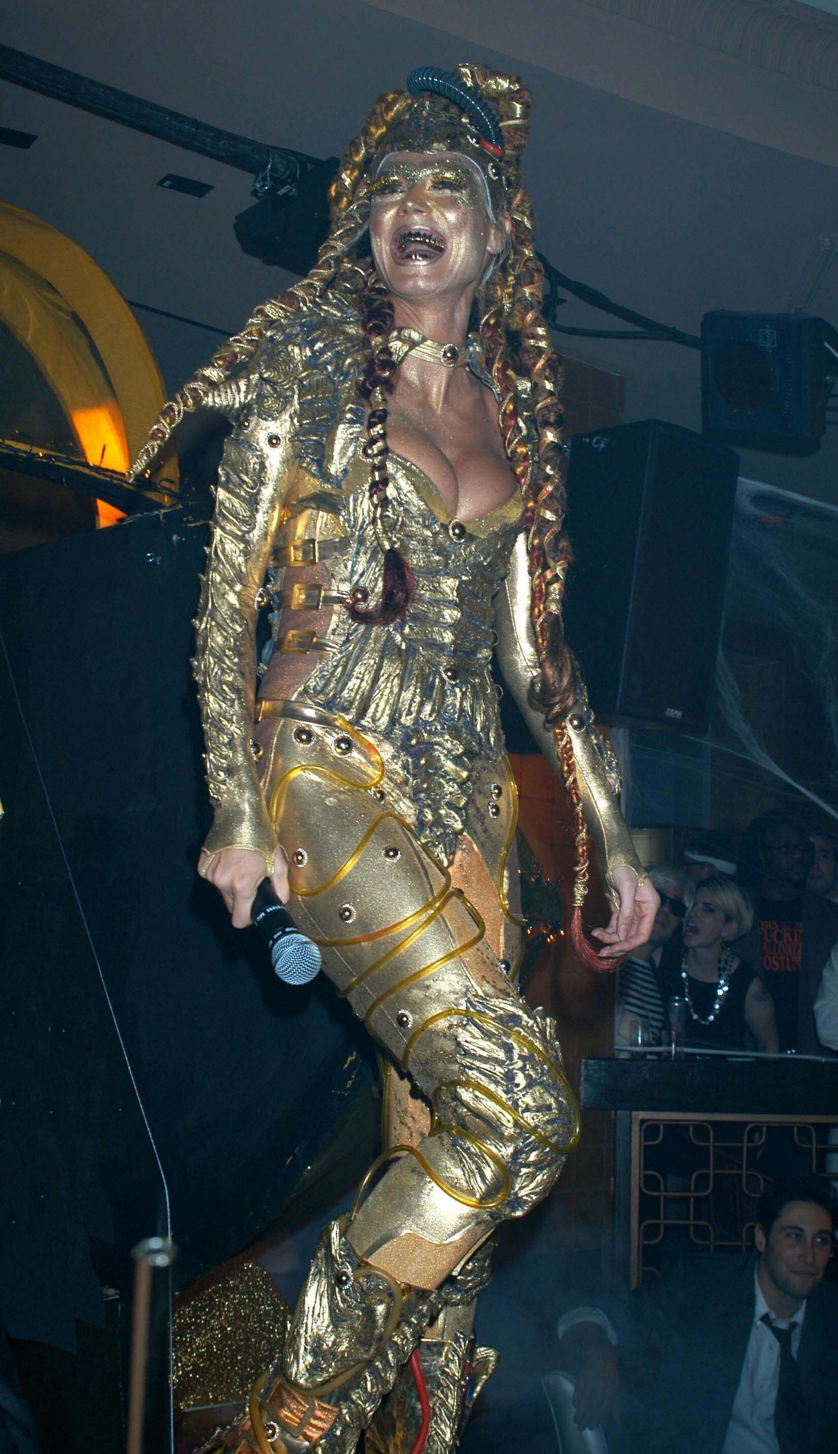 2003 halloween heidi klum robot alien