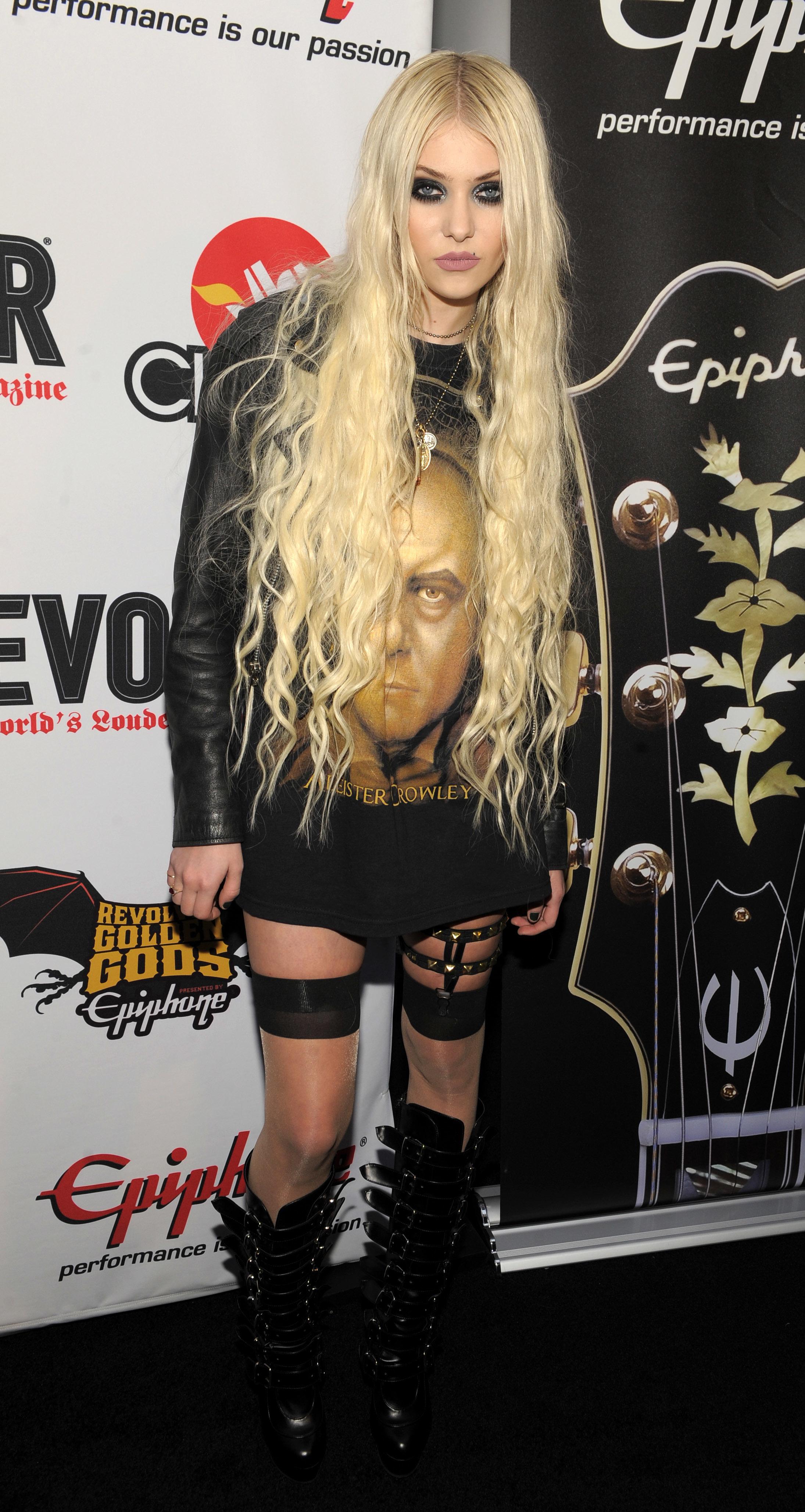 Taylor Momsen crazy fashion