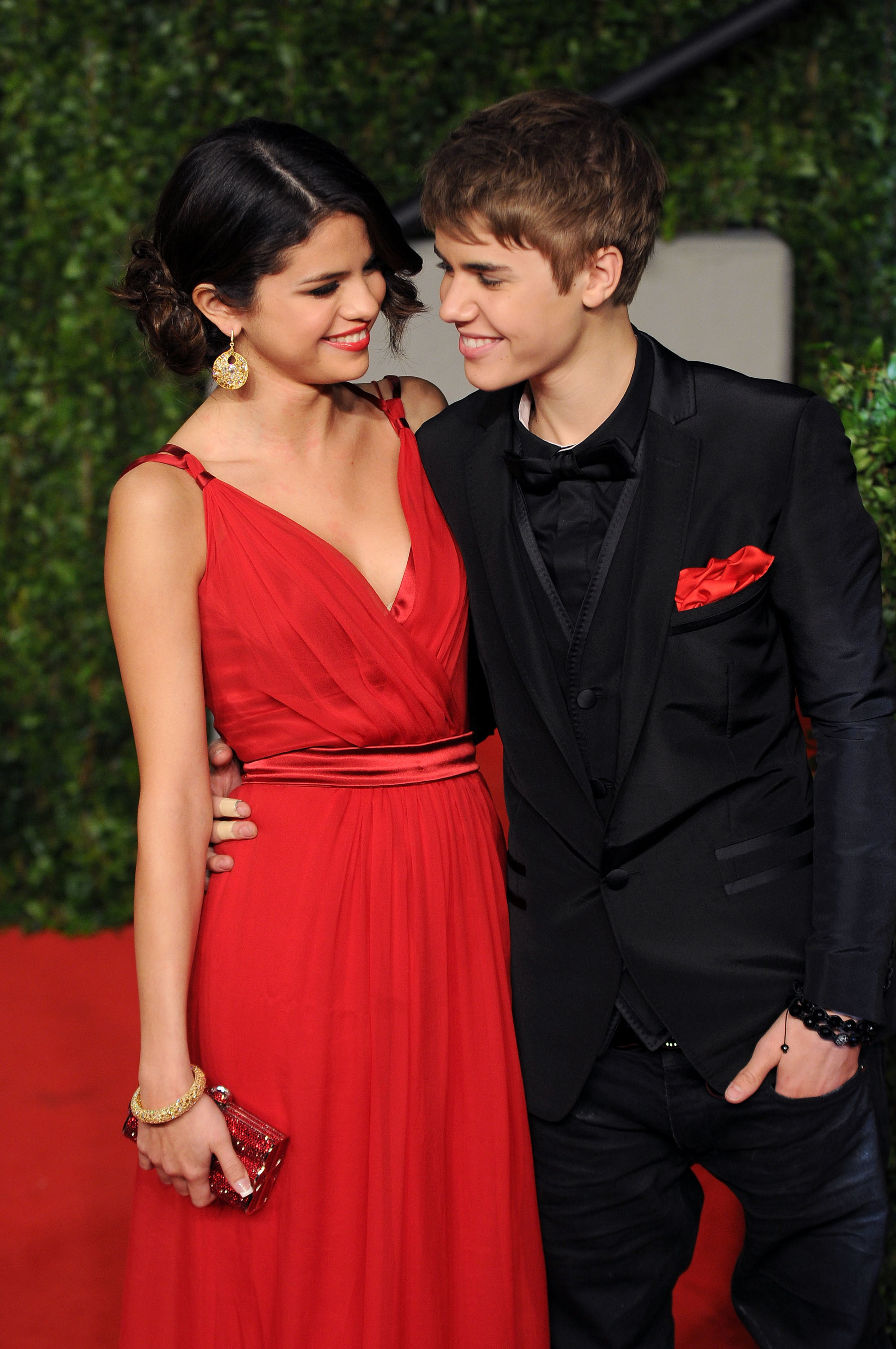 Justin bieber selena gomez vanity fair party