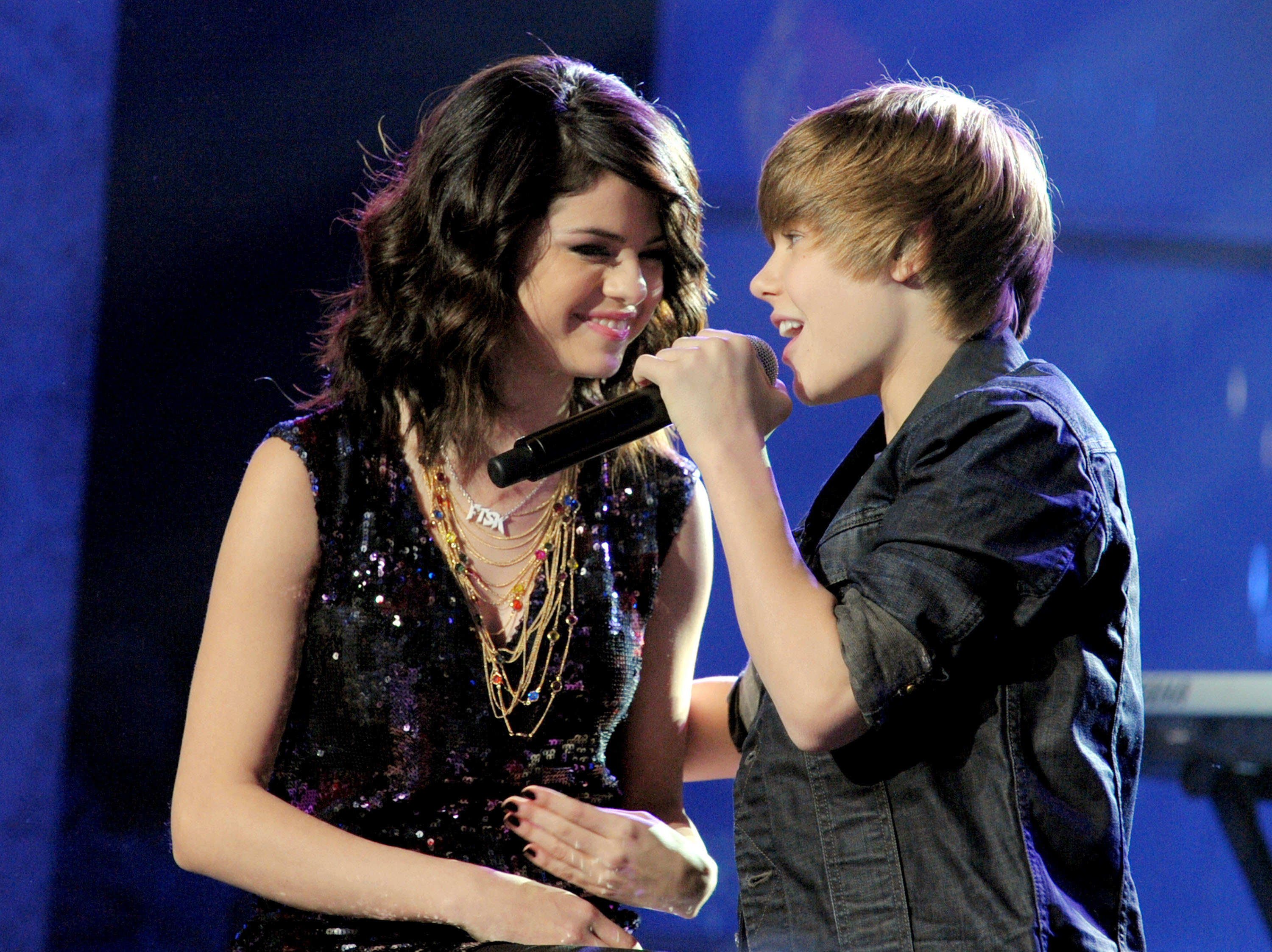 justin and selena new years eve