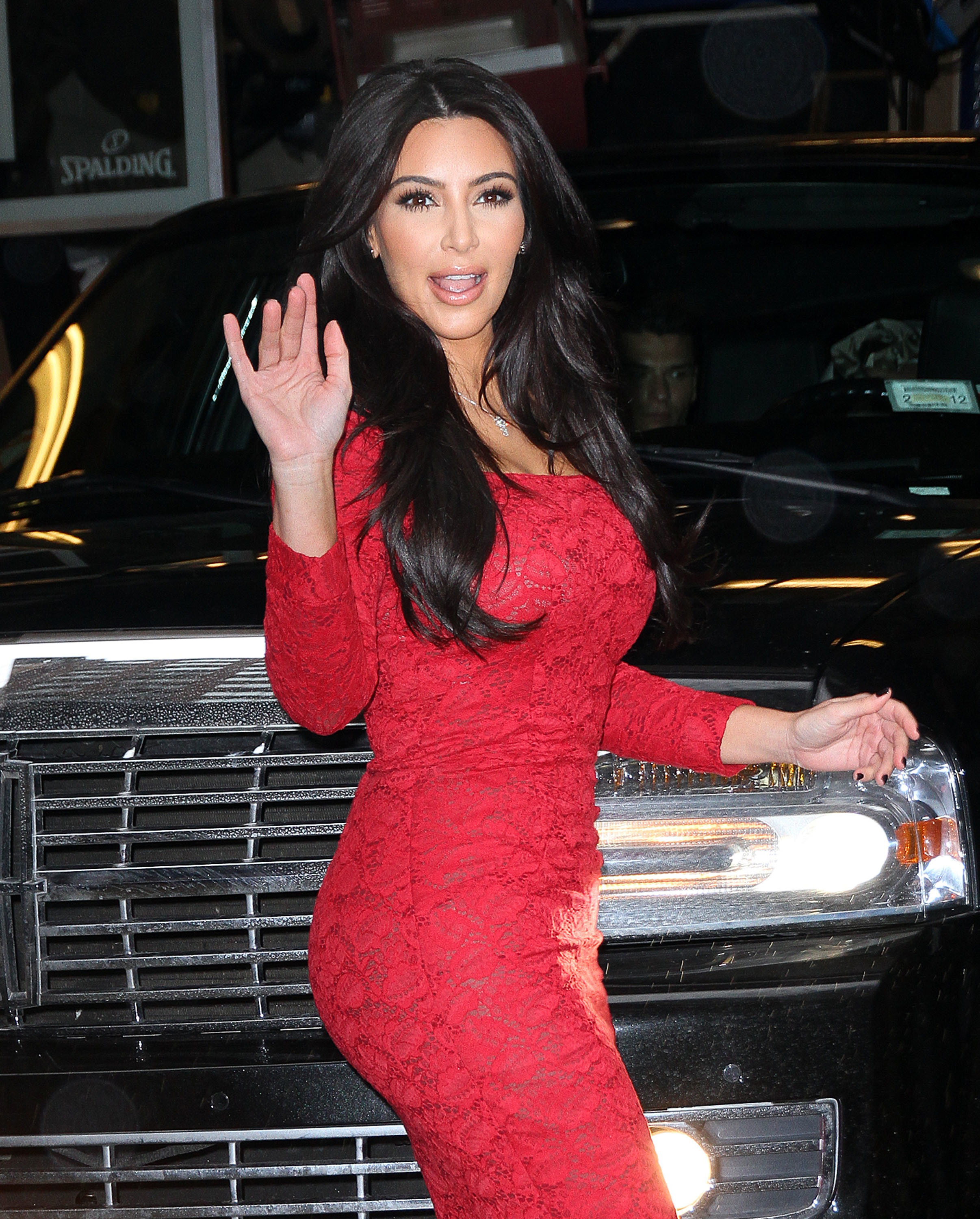 Kim Kardashian football players gossip Wonderwall