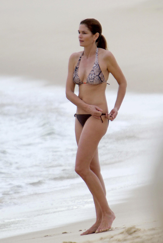 Cindy Crawford bikini