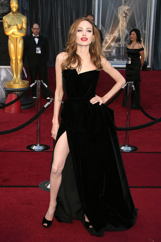 Angelina Jolie slit