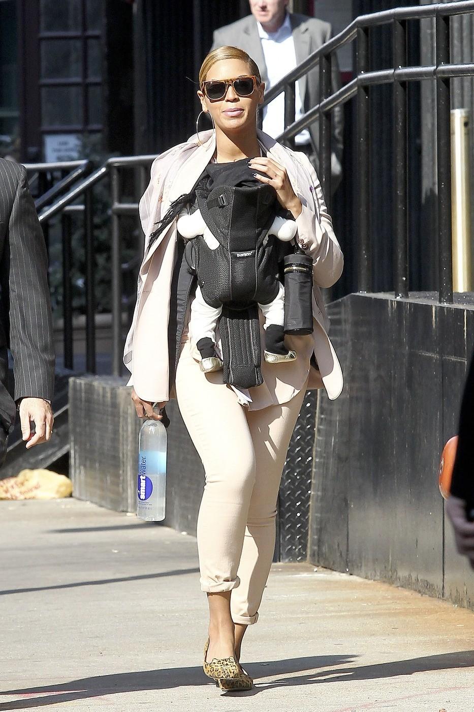 74676PCN_Beyonce06.jpg