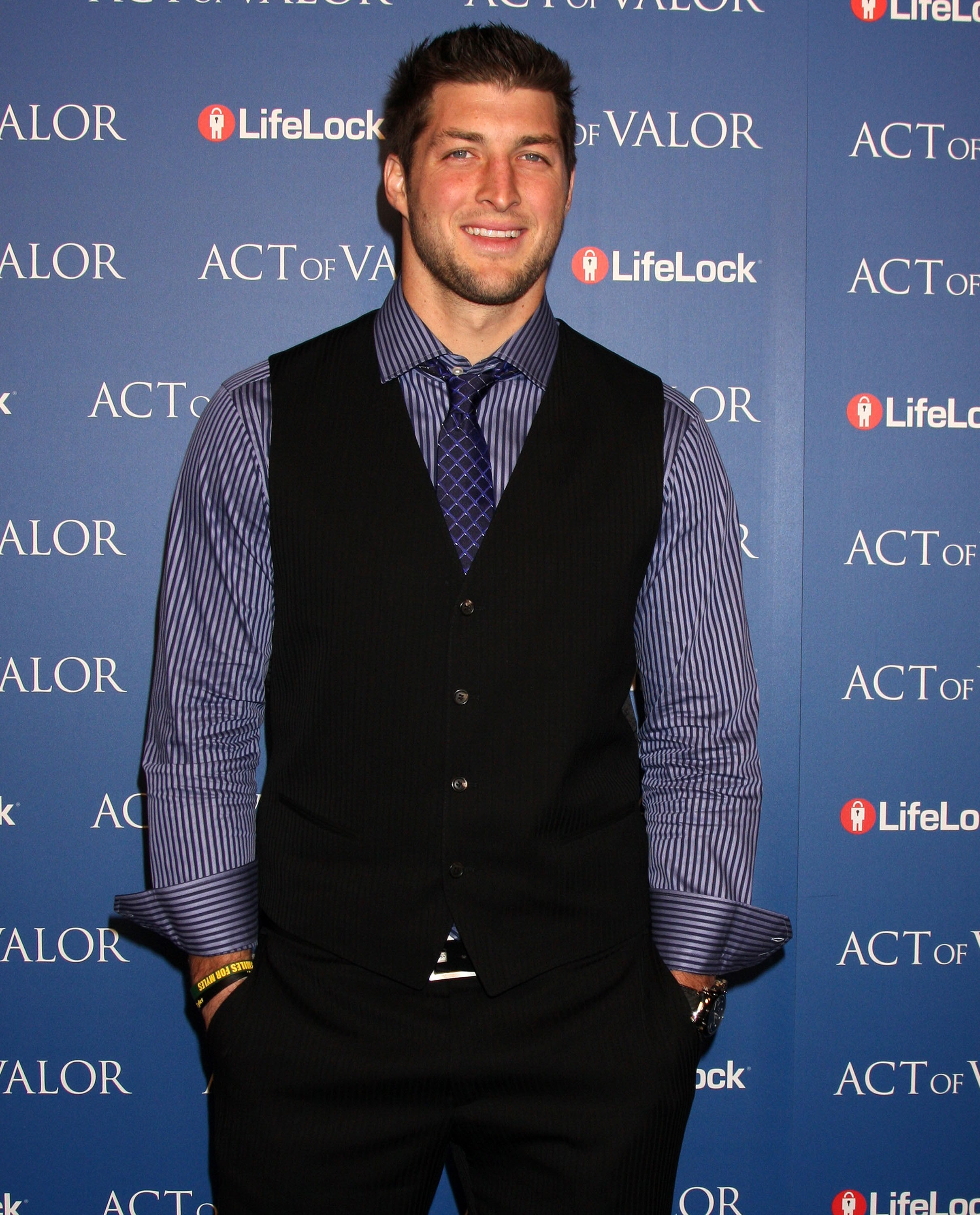 Tim Tebow wants a lady 'with depth'