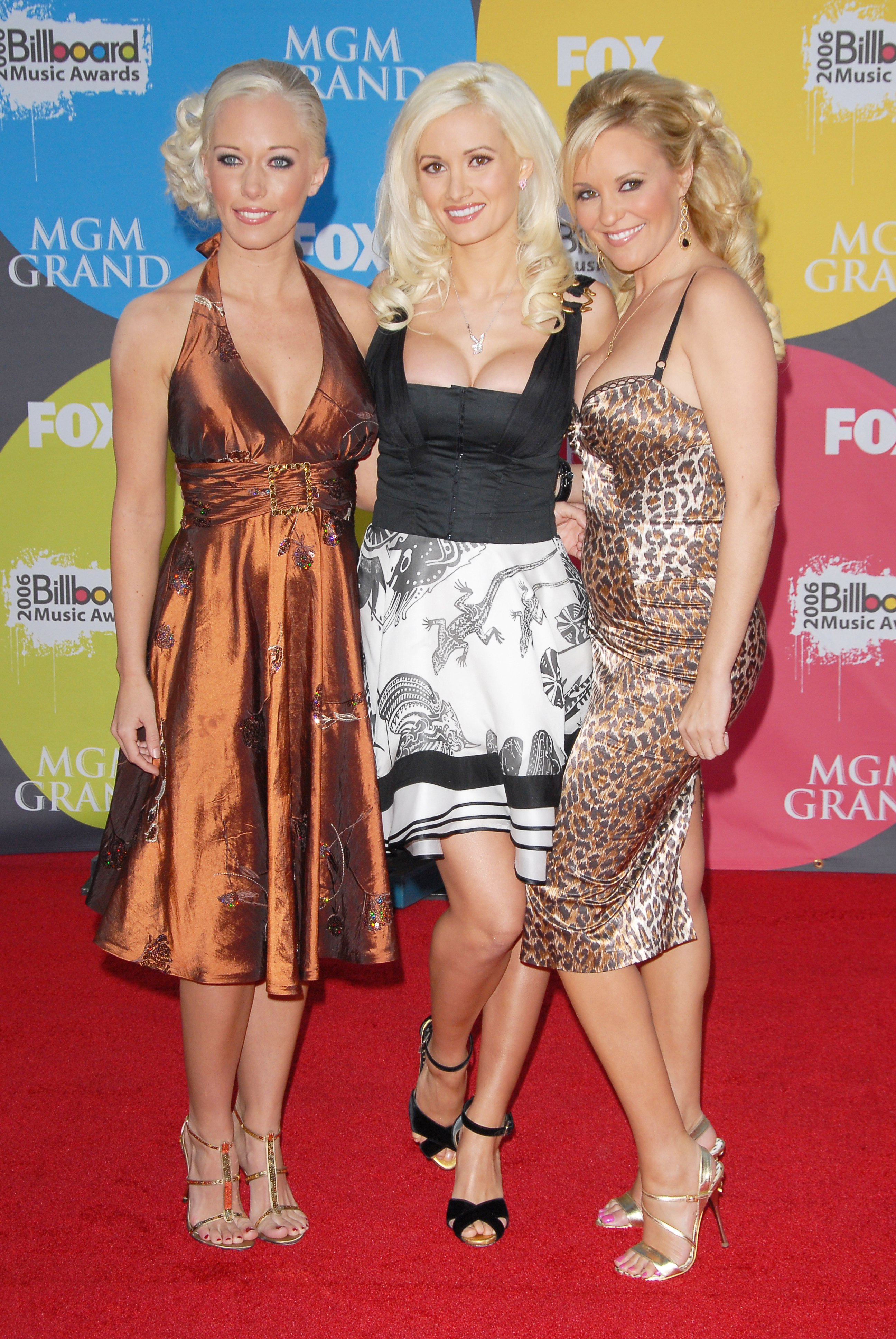 Holly Madison Wedding.Holly Madison And Kendra Wilkinson Will Attend Bridget Marquardt S