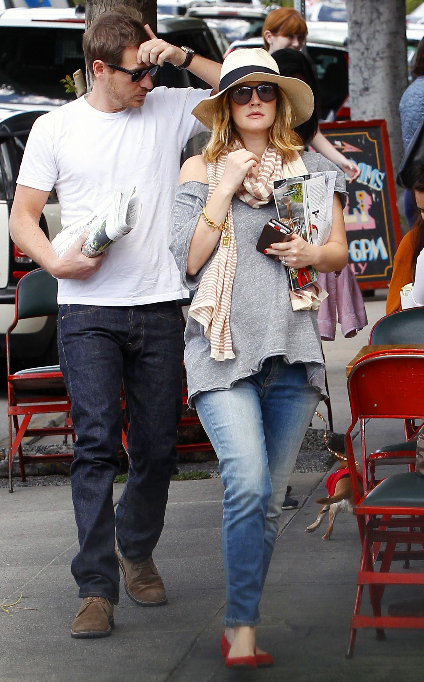 Drew Barrymore maternity style
