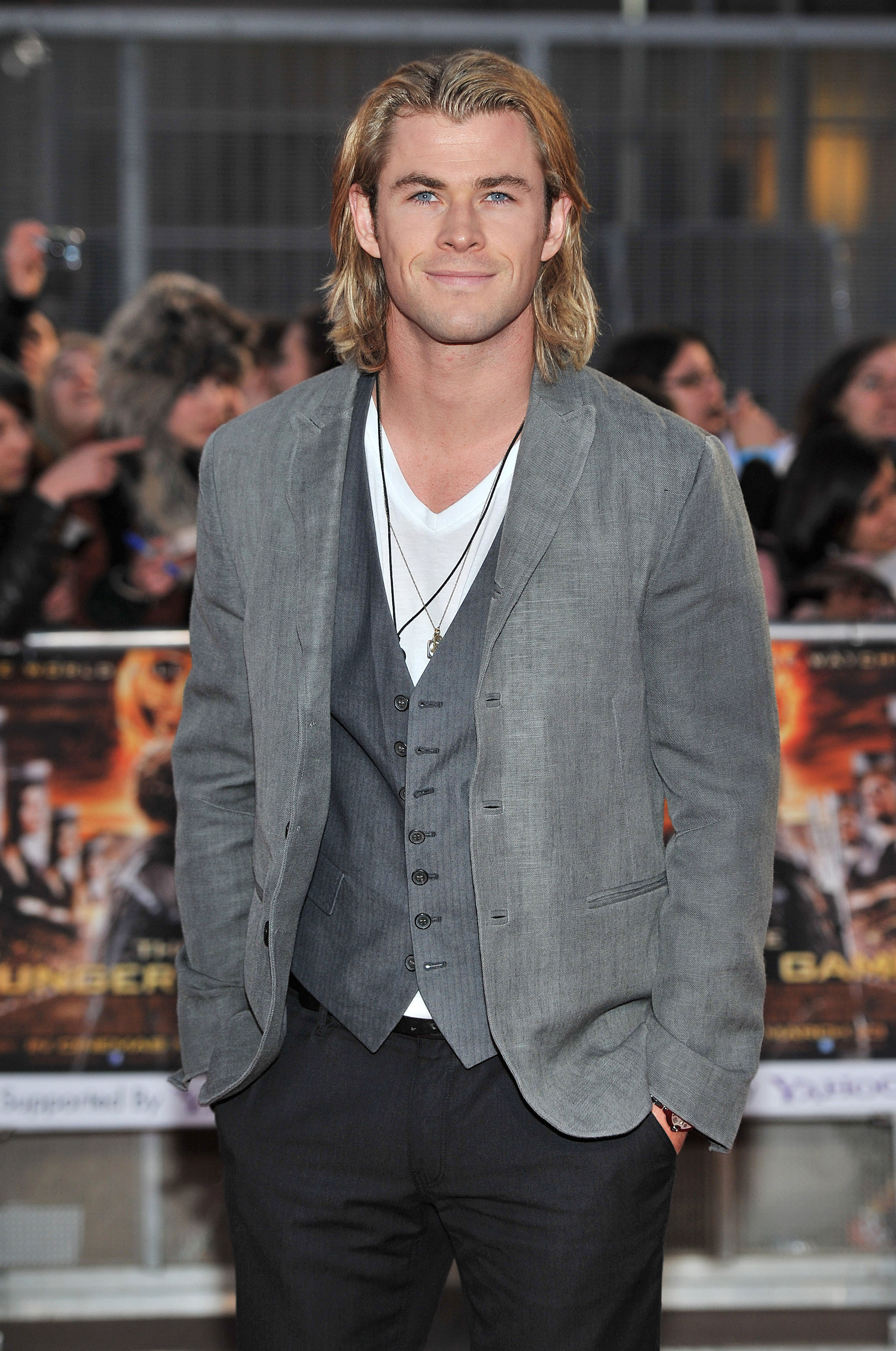 chris hemsworth long hair