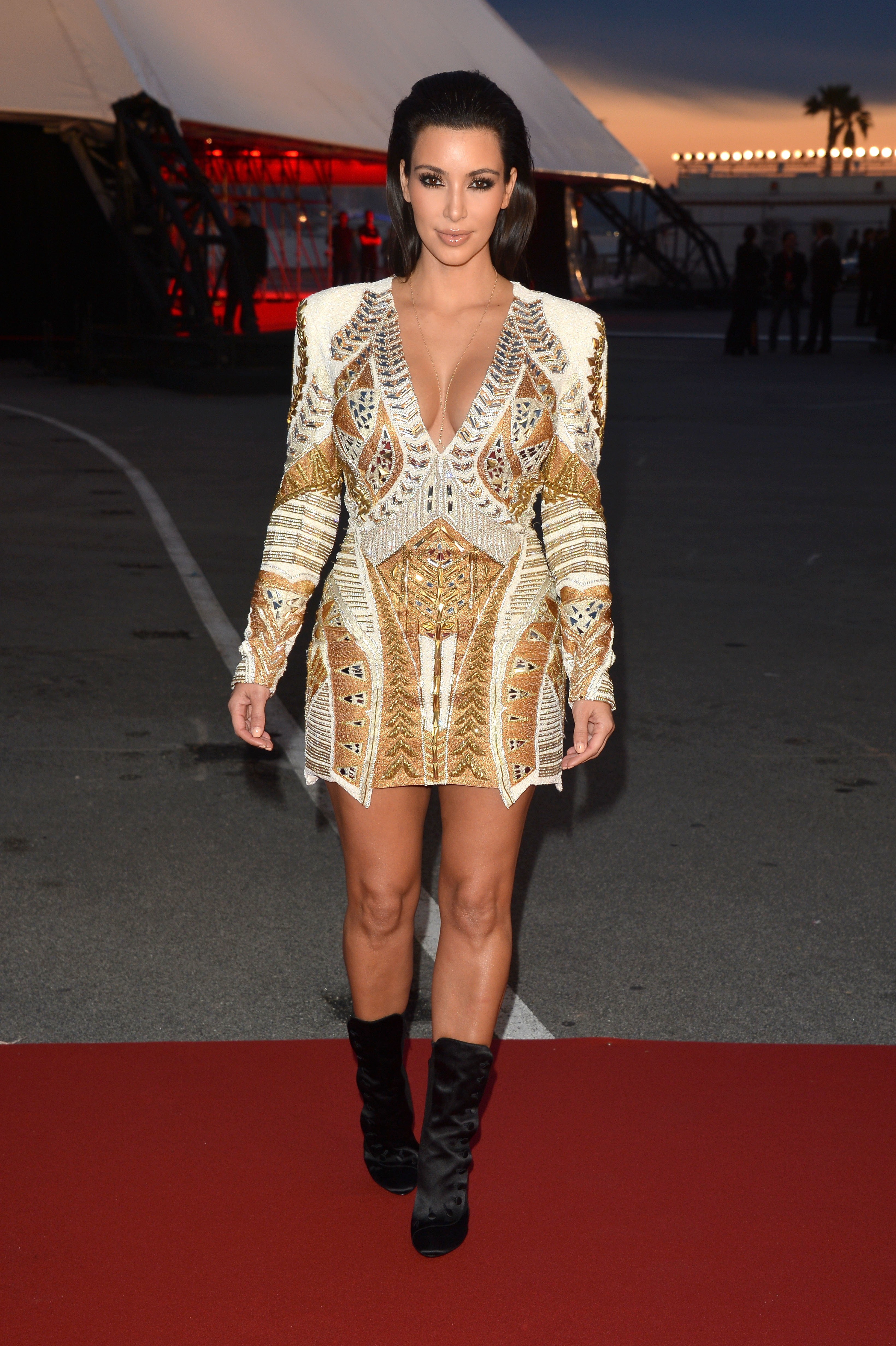KIm kardashian alessandra ambrosio who wore it better