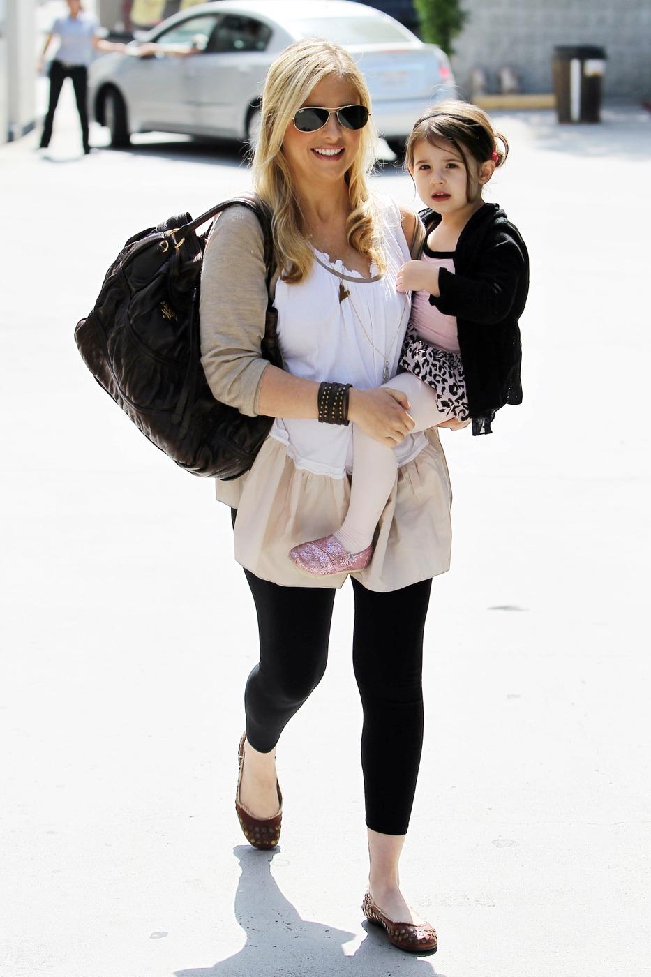 Sarah michelle gellar baby boy