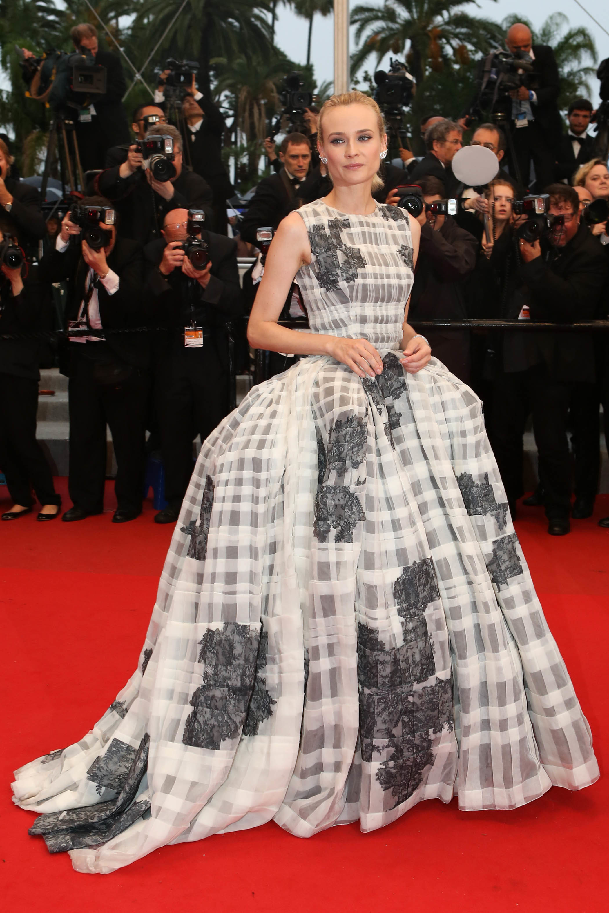 Diane Kruger black and white chanel gown 2012 cannes film festival