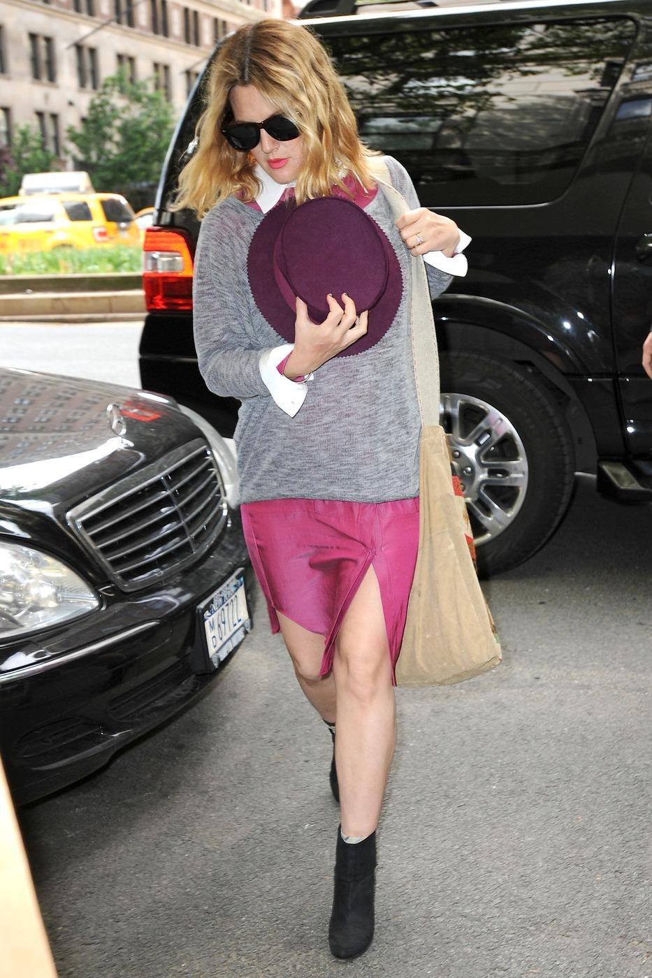 Drew Barrymore baby bump