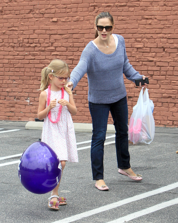Violet Affleck and Jennifer Garner
